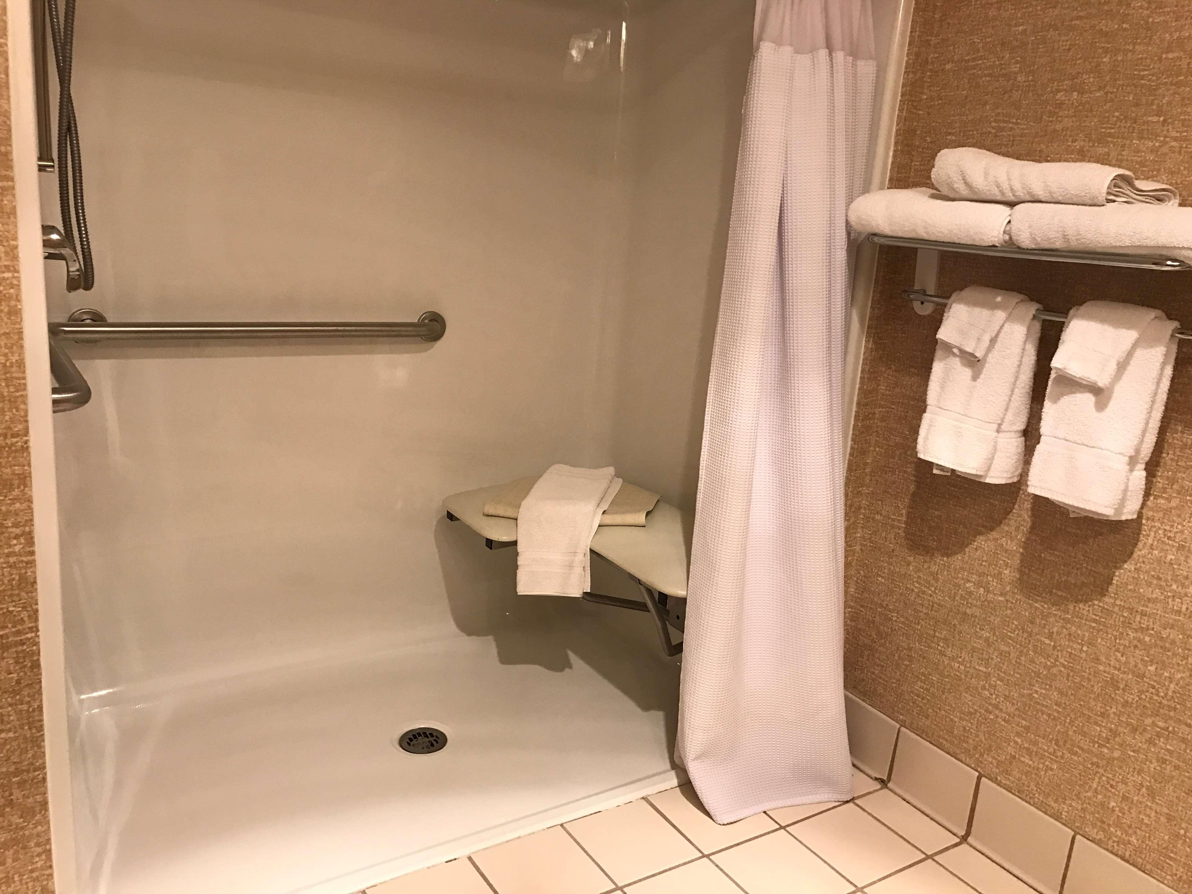 Best Western Plus Revere Inn & Suites image 33