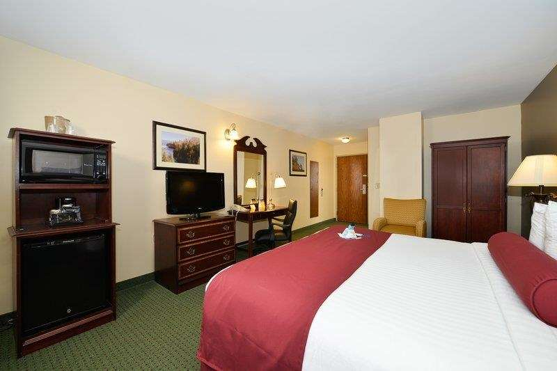 Best Western The Hotel Chequamegon image 20