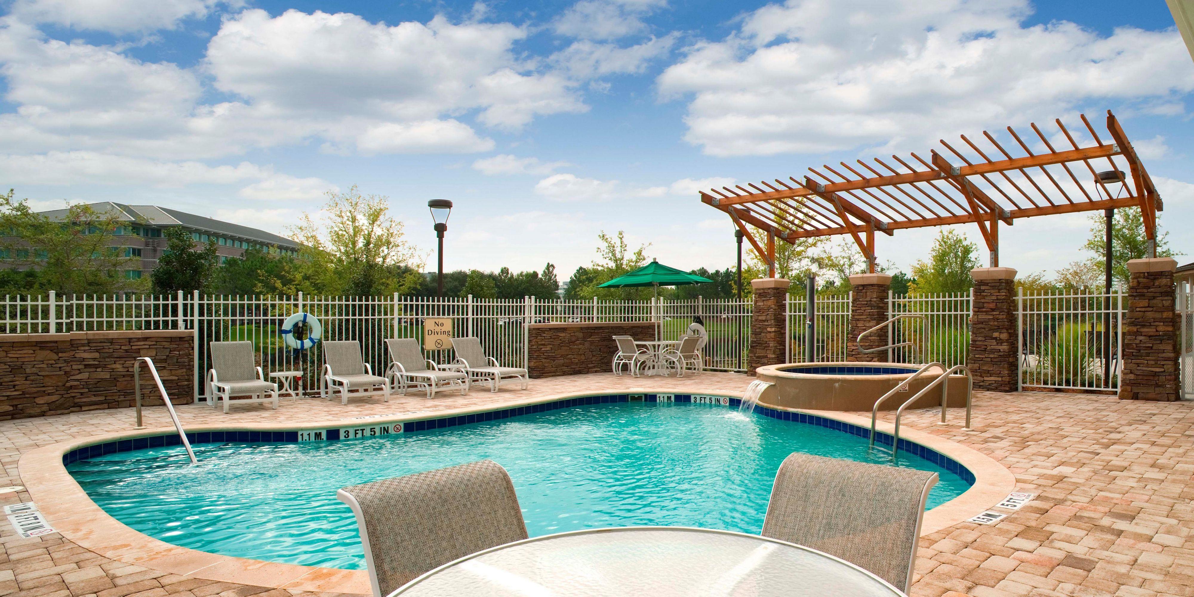 Hotel Indigo Jacksonville-Deerwood Park image 2