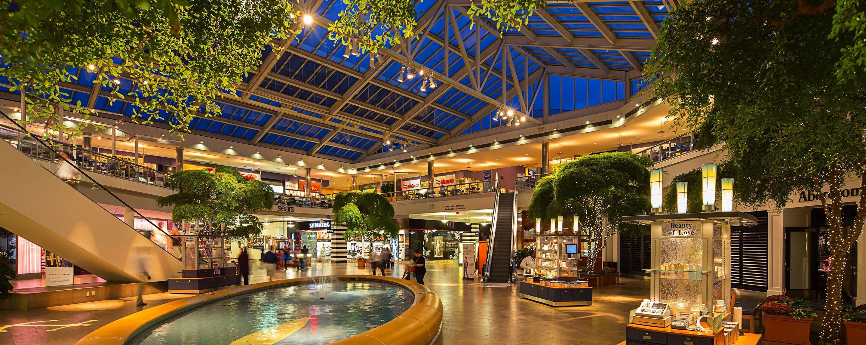 Abercrombie Fashion Place Mall