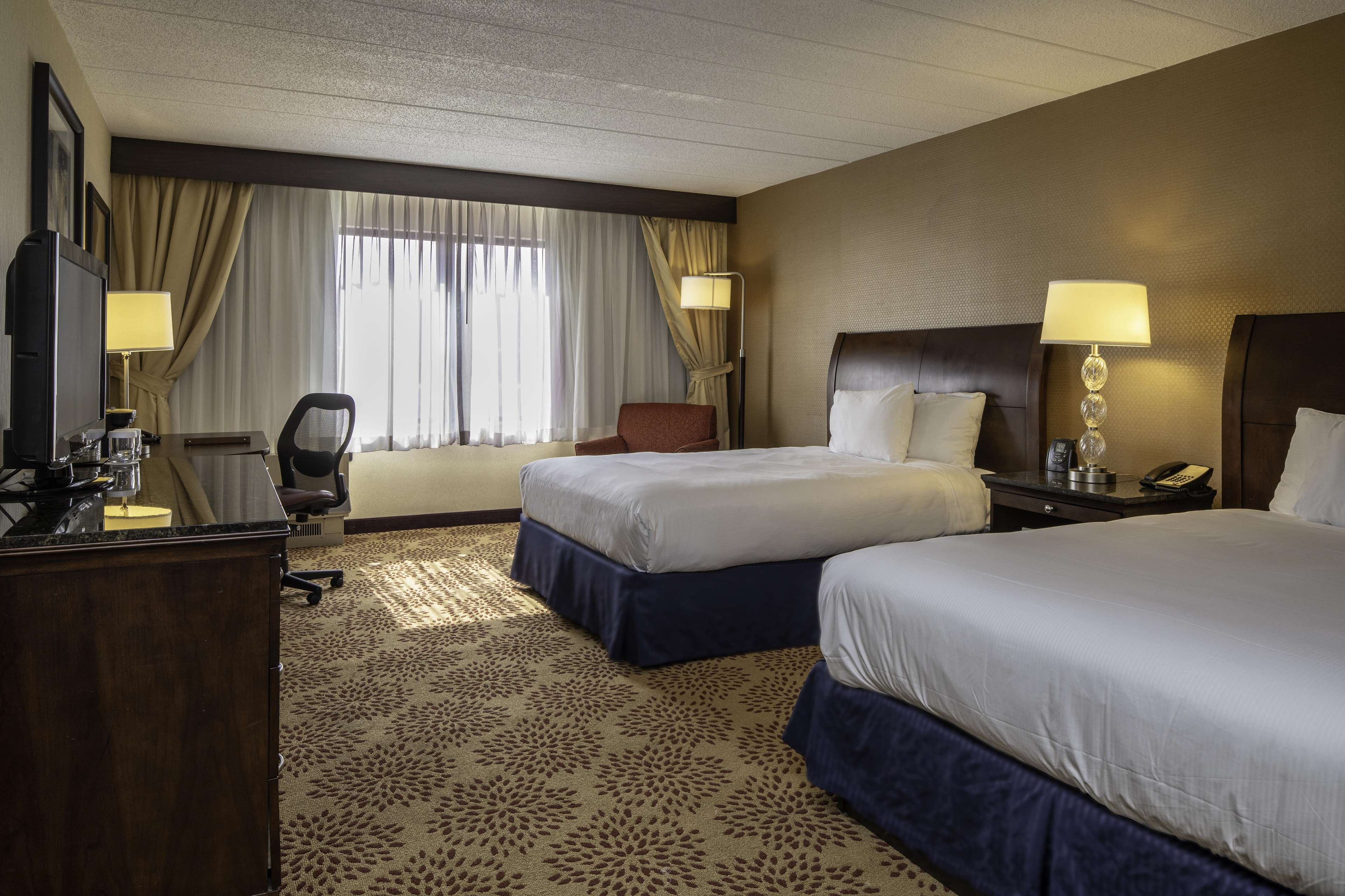 DoubleTree by Hilton Hotel Pittsburgh - Monroeville Convention Center image 11