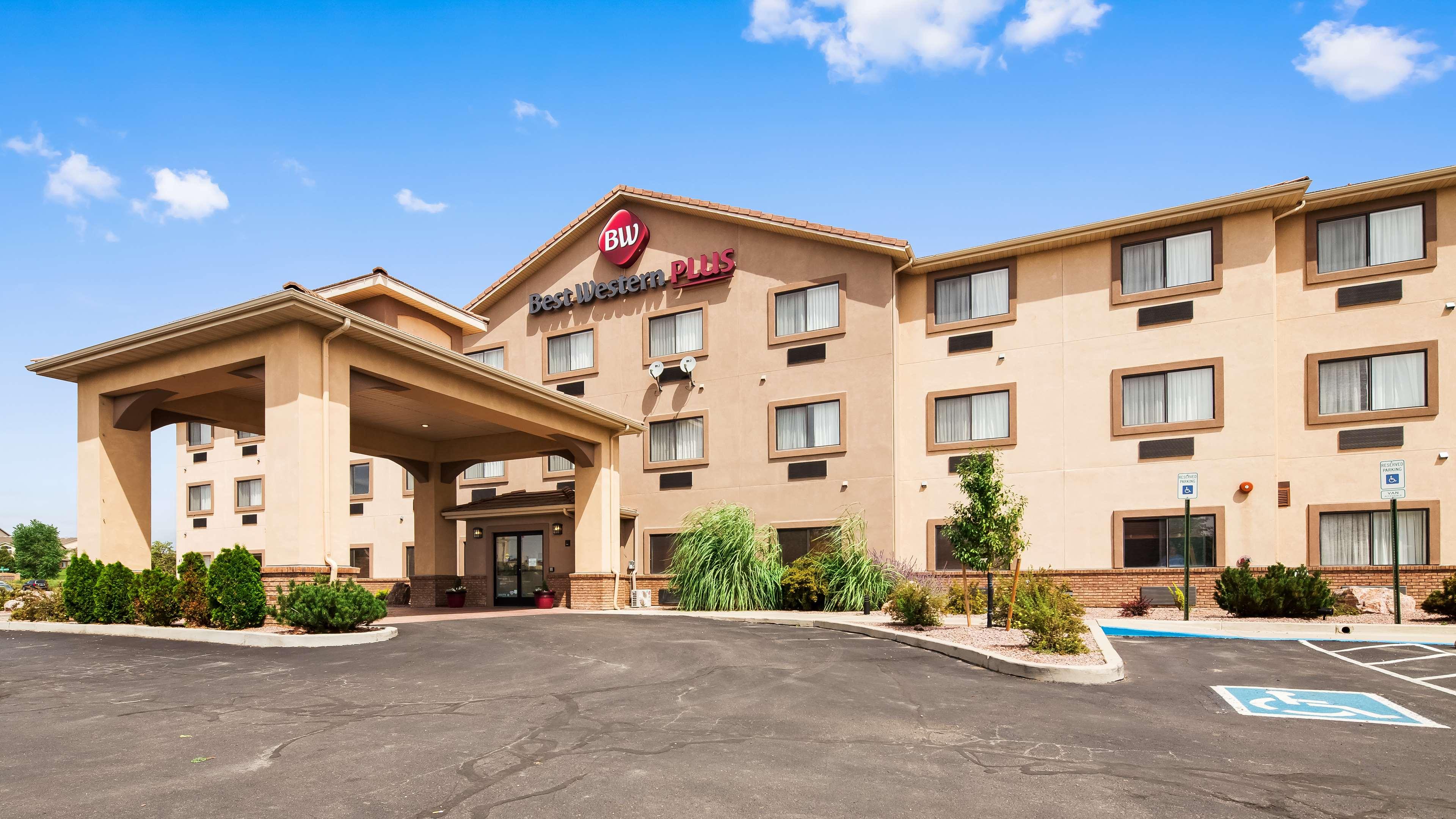 Best Western Plus Eagleridge Inn & Suites image 0