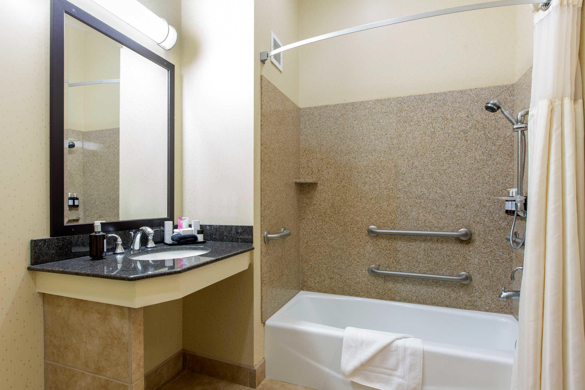 The Oaks Hotel & Suites, an Ascend Hotel Collection Member image 33