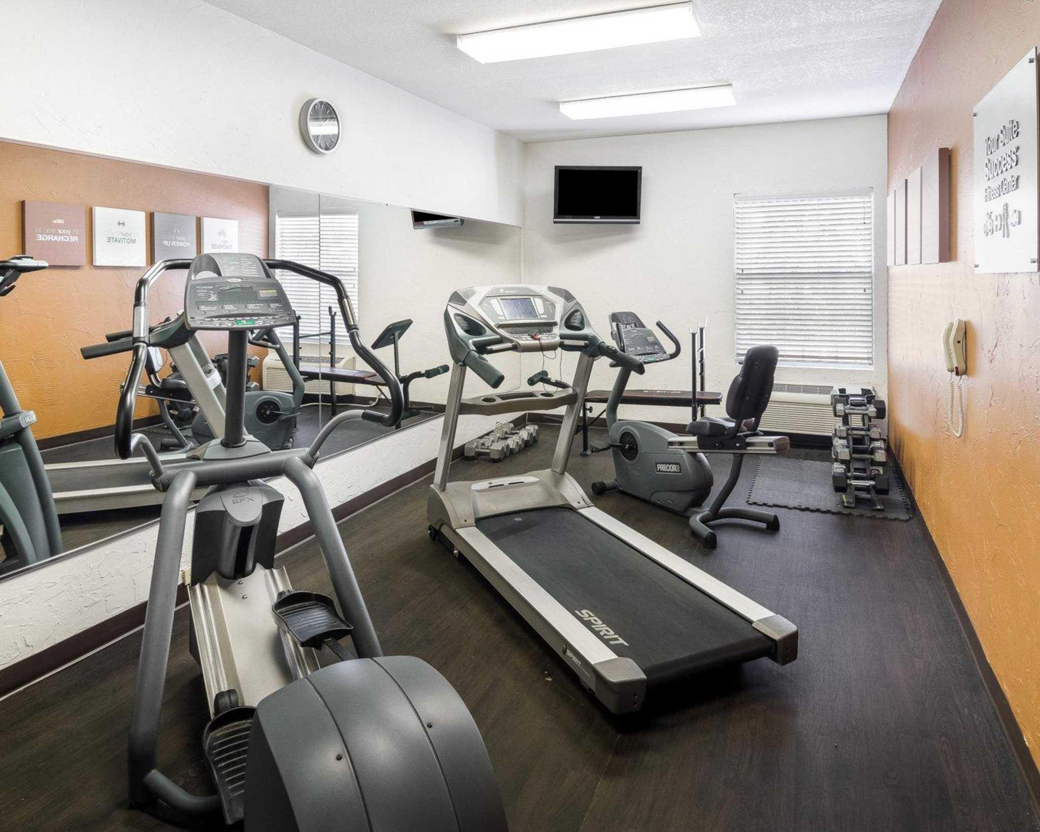 Comfort Suites Las Colinas Center image 31