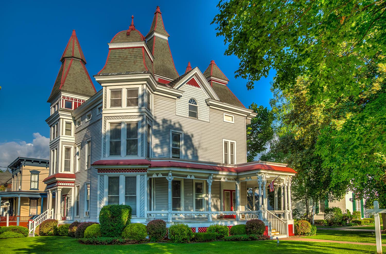 HUNT Real Estate ERA image 5