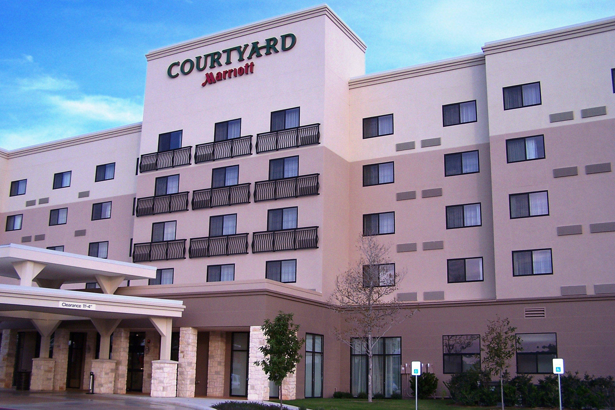 Courtyard by Marriott San Antonio Six Flags® at The RIM