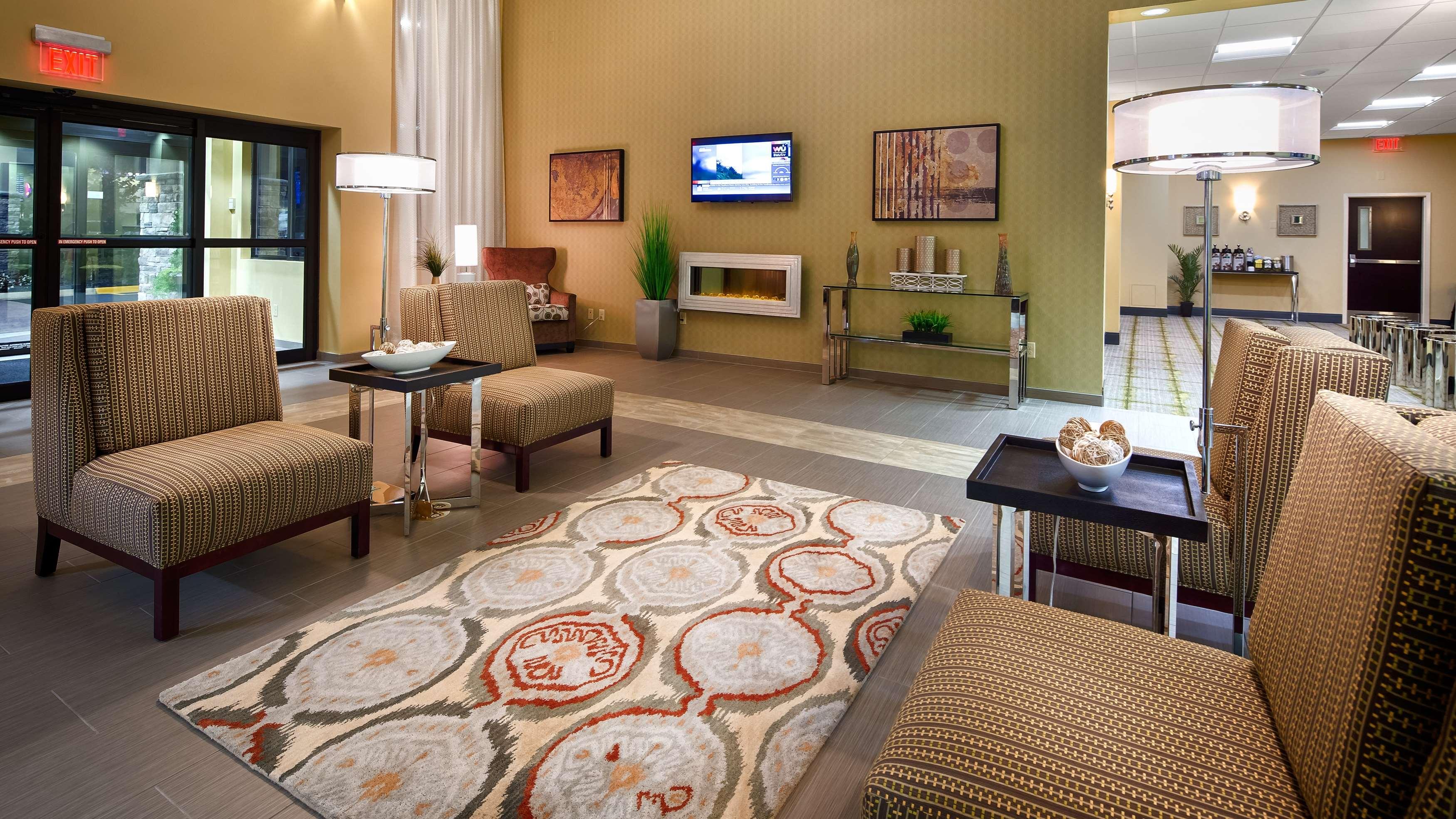 Best Western Plus Thornburg Inn & Suites image 12