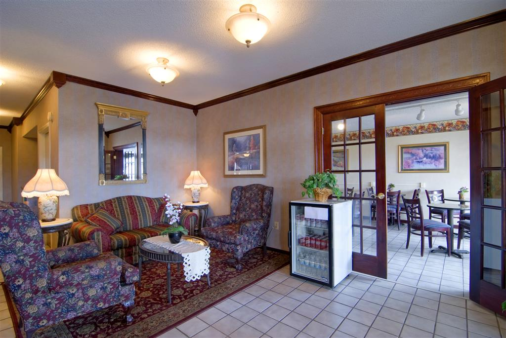 Americas Best Value Inn & Suites Searcy image 3