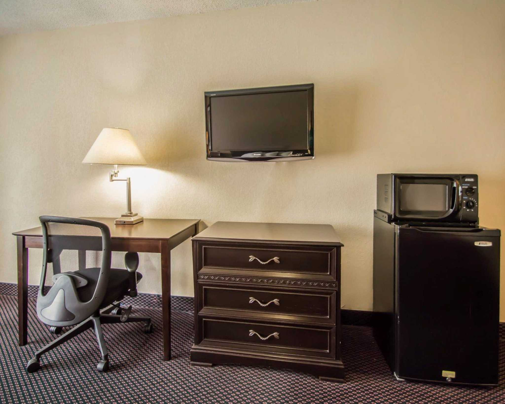 Quality Inn I-75 at Exit 399 image 12