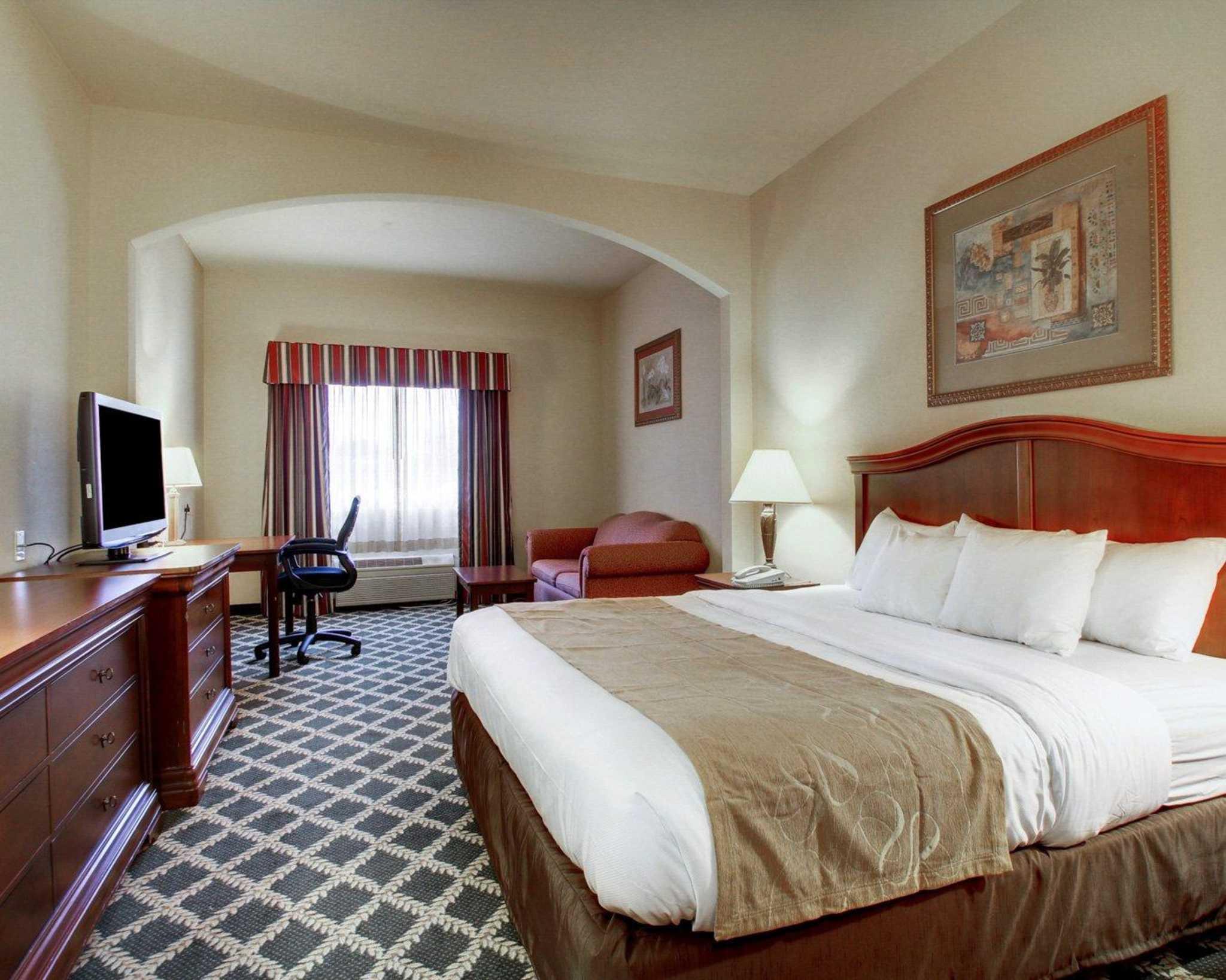 Comfort Suites image 23