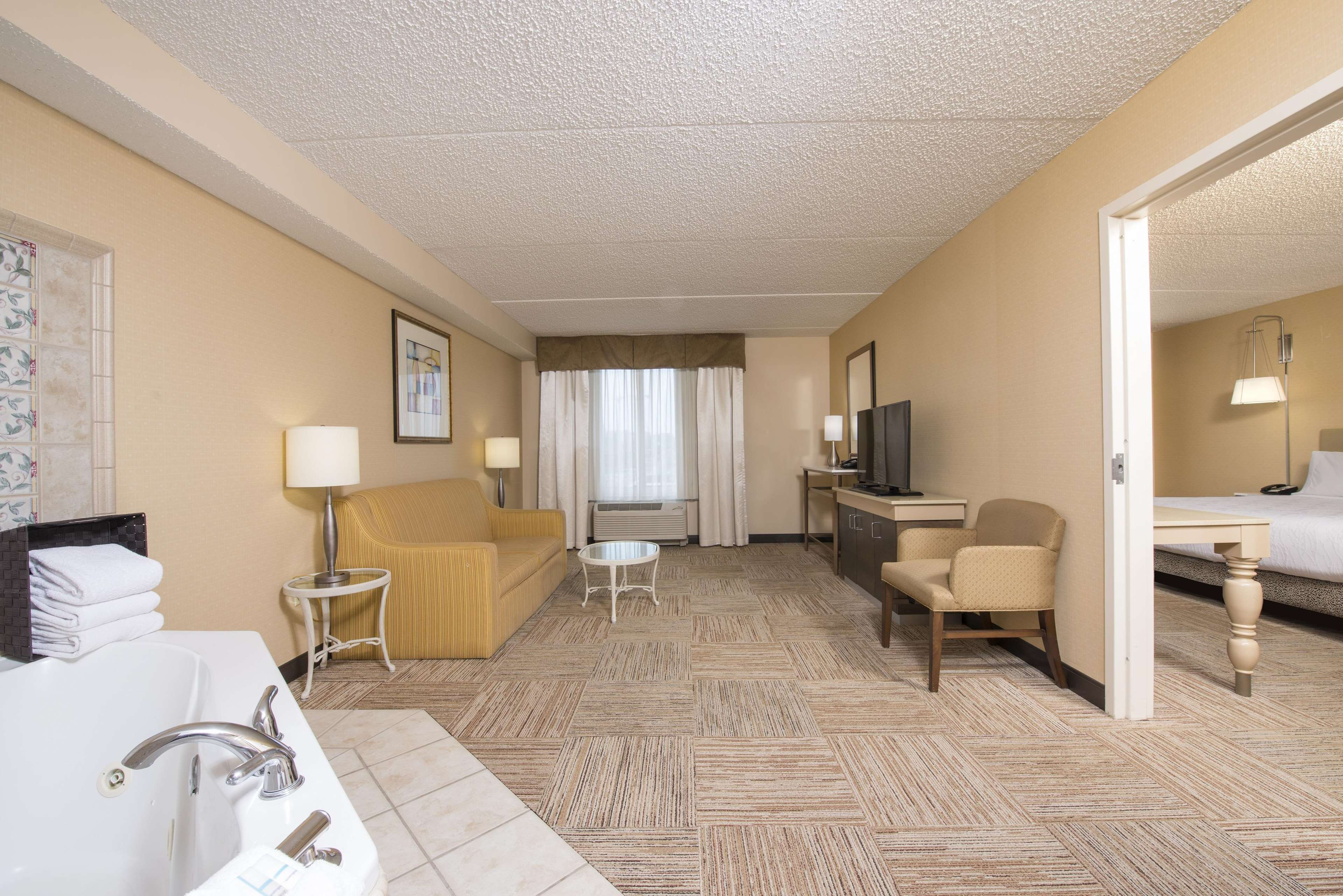 Hilton Garden Inn West Lafayette Wabash Landing image 16