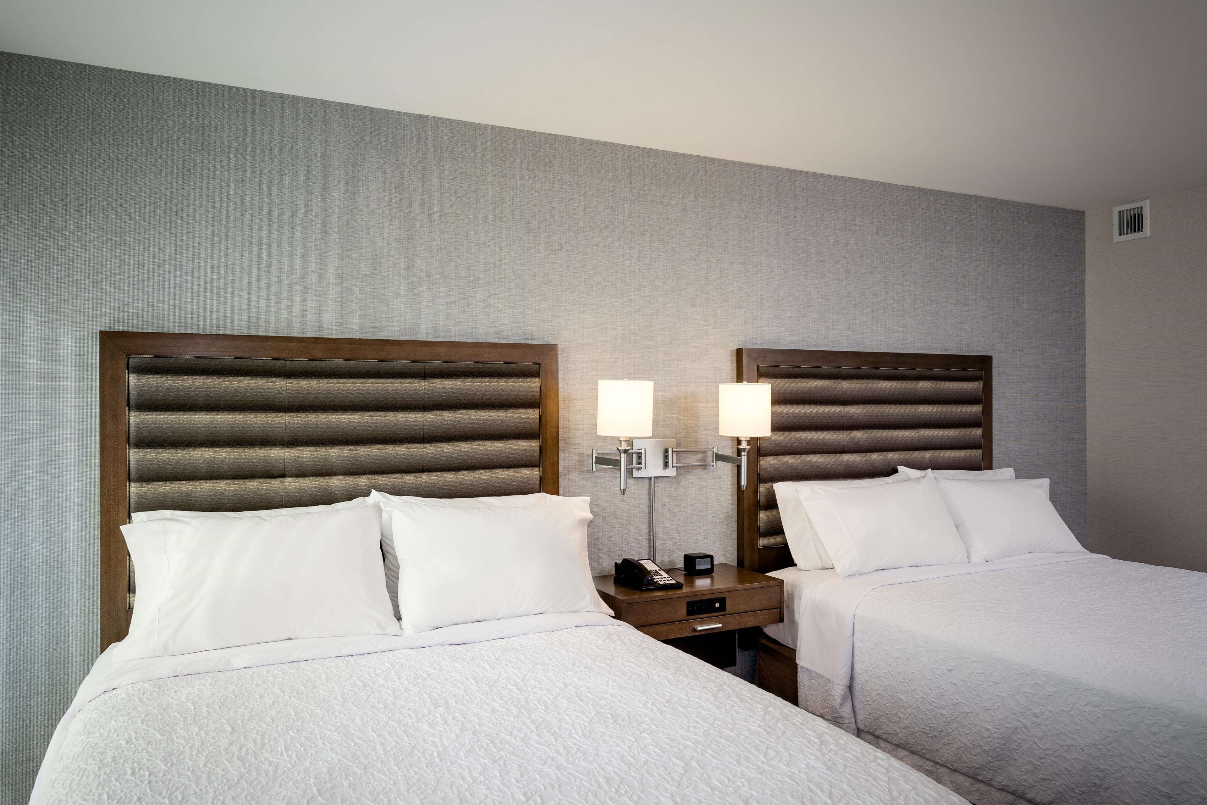 Hampton Inn & Suites by Hilton Seattle/Northgate image 41