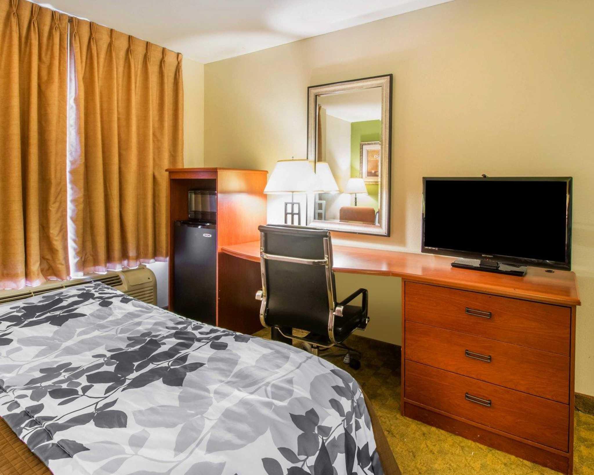 Sleep Inn & Suites image 9