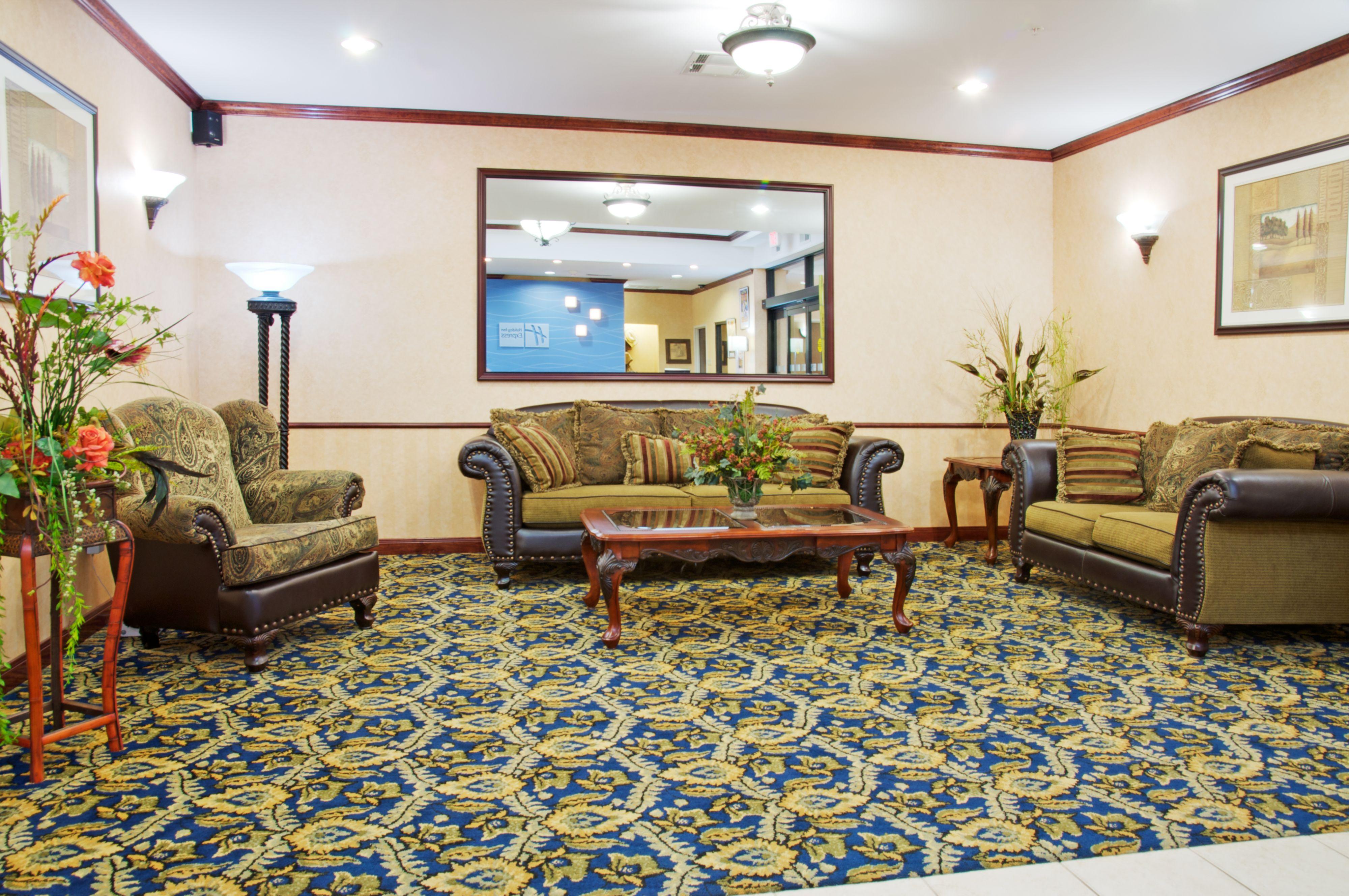 Holiday Inn Express Orange image 4