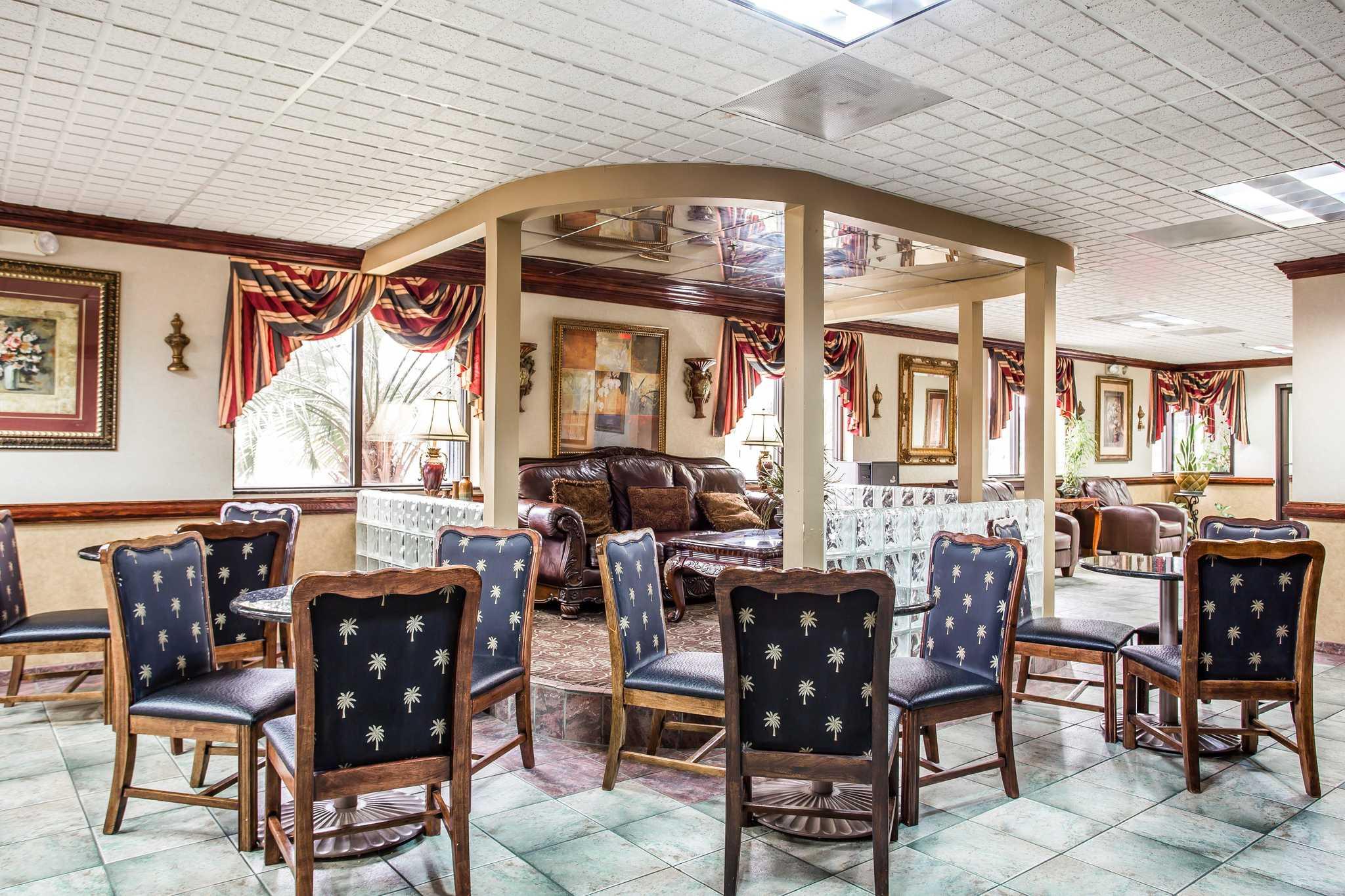 Quality Inn & Suites Ft. Jackson Maingate image 29