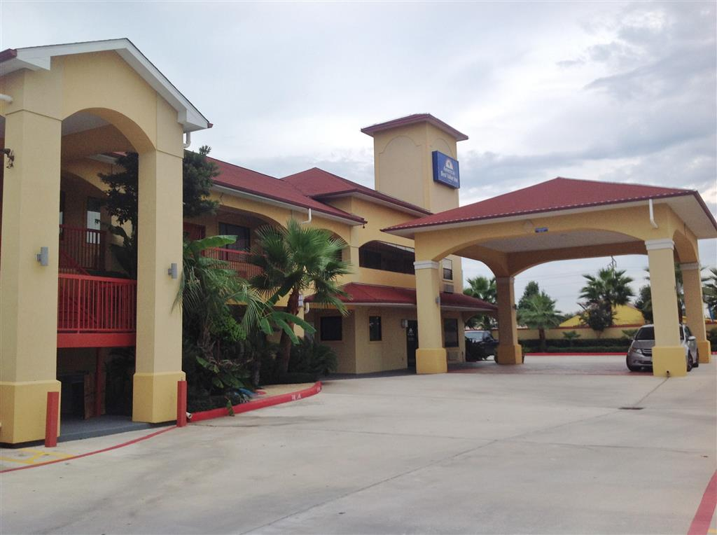 Americas Best Value Inn & Suites - Houston/Tomball Parkway image 0