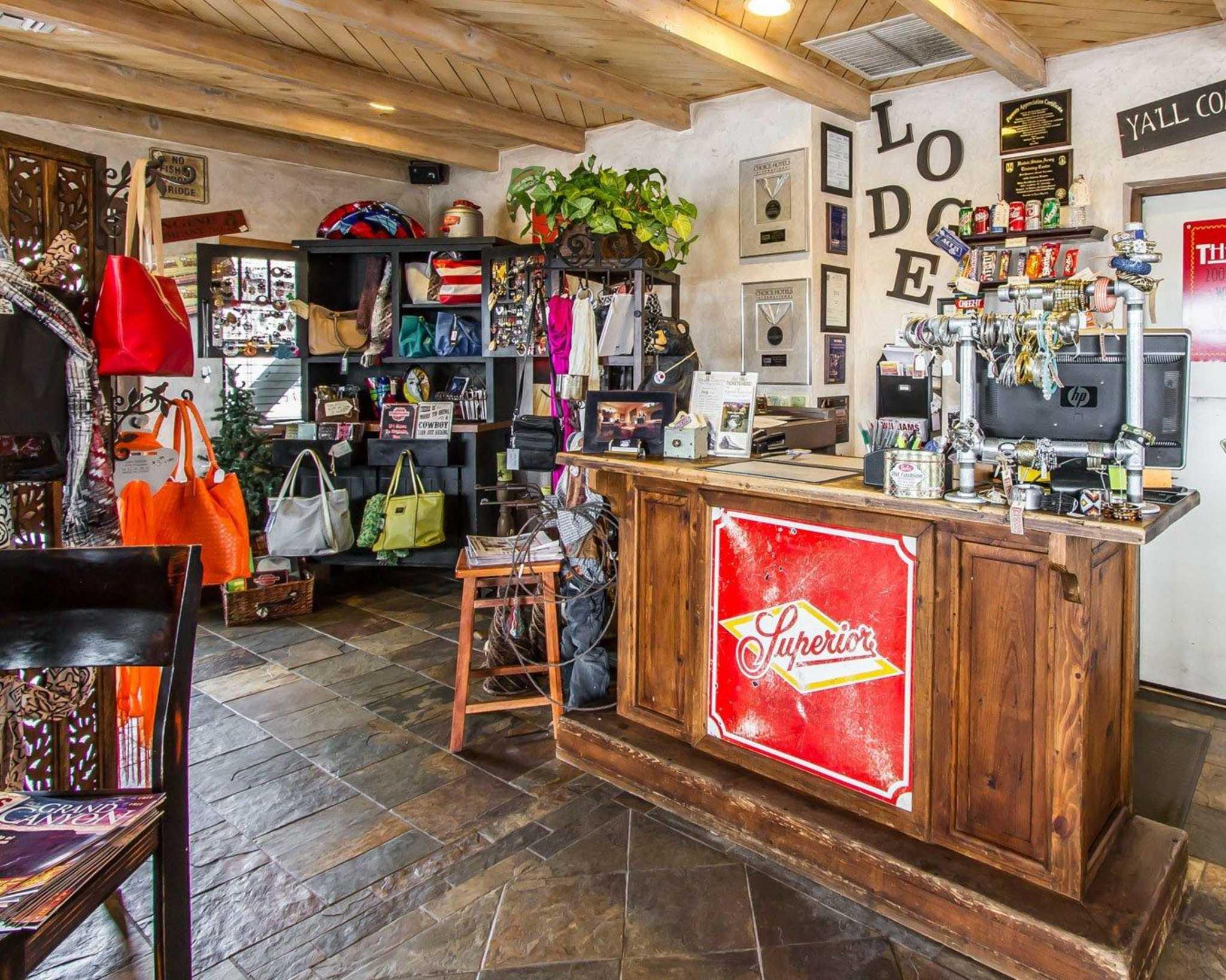 Rodeway Inn & Suites Downtowner-Rte 66 image 16