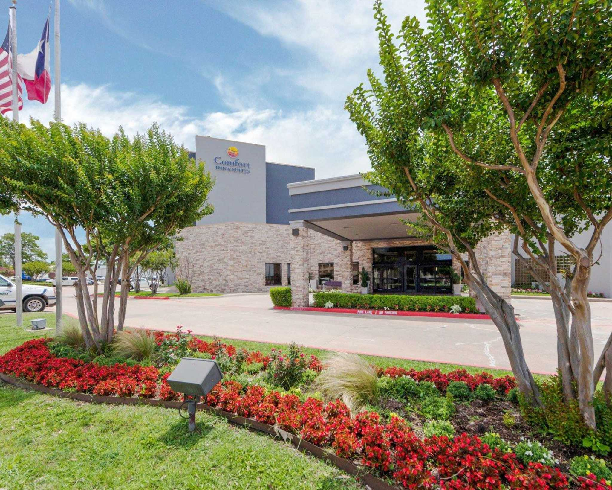 Comfort Inn & Suites Plano East image 3