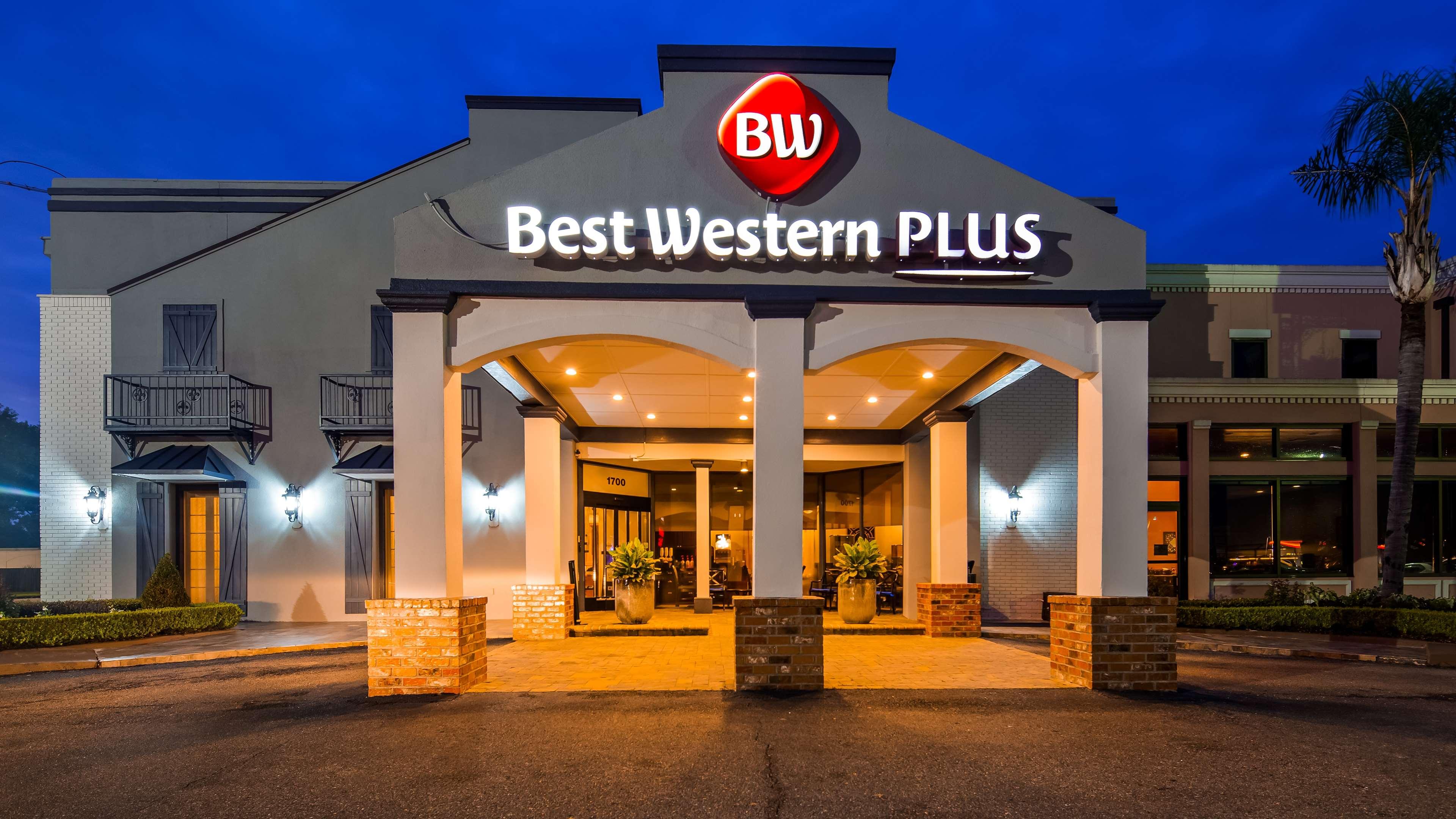 Best Western Plus Westbank image 0