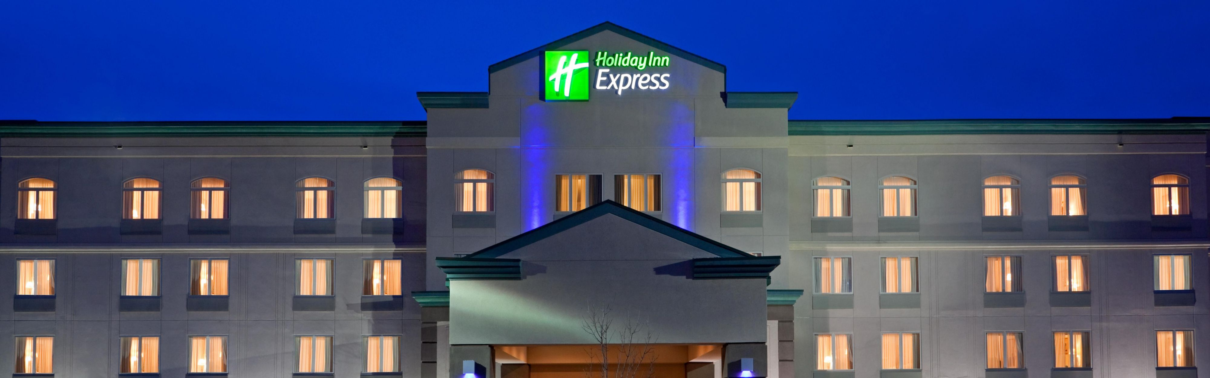 Holiday Inn Express Syracuse-Fairgrounds image 0