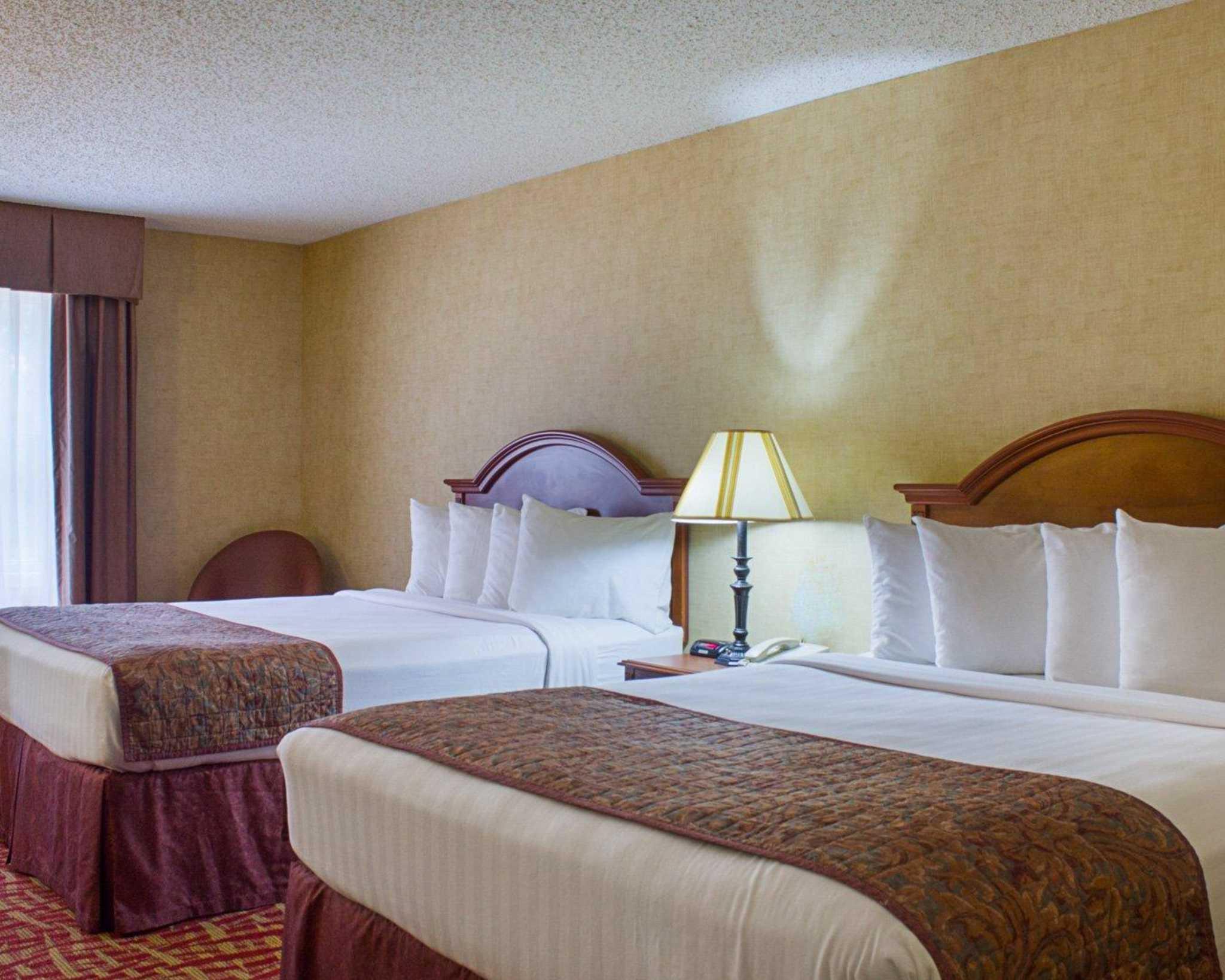 Rodeway Inn image 44