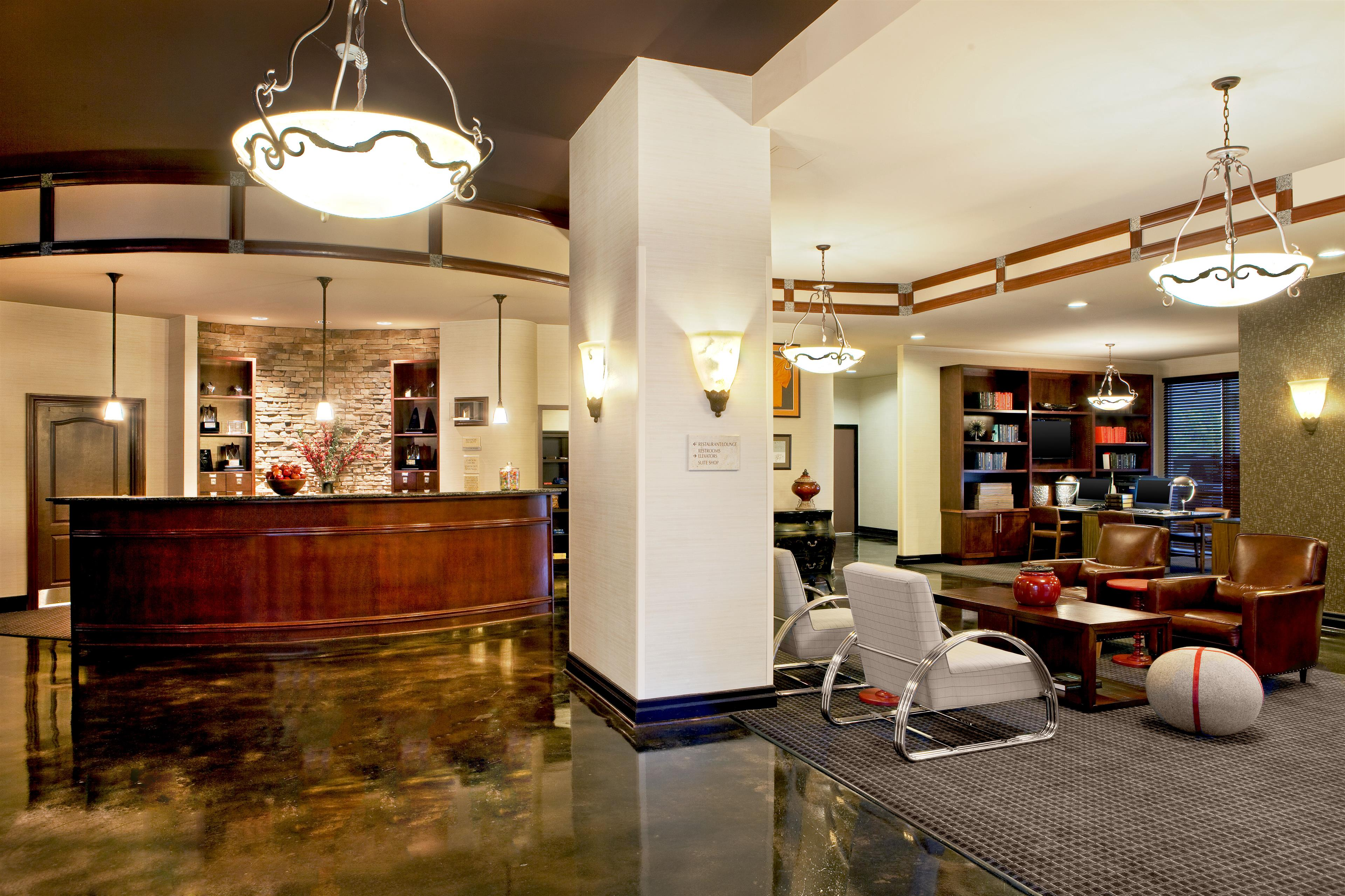 Four Points by Sheraton Knoxville Cumberland House Hotel image 4