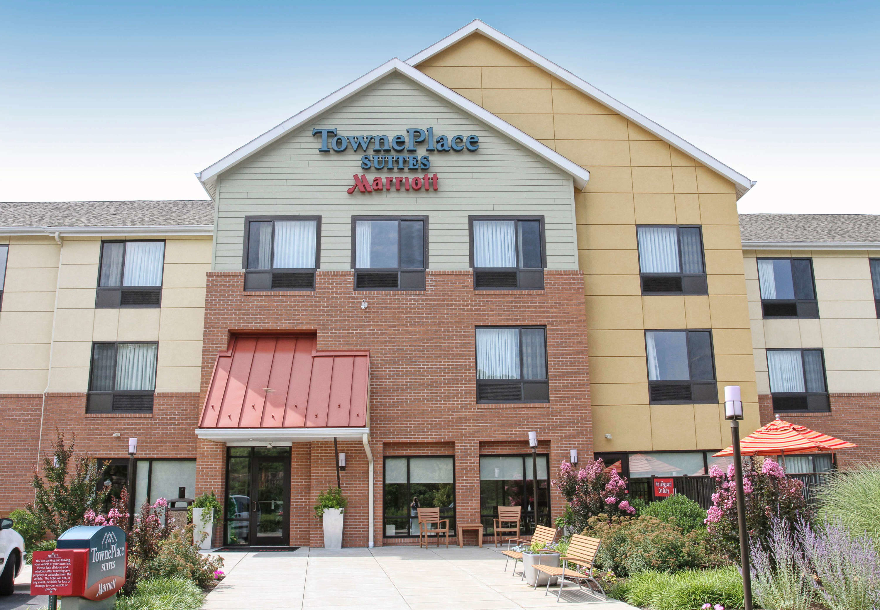 TownePlace Suites by Marriott Huntington image 12