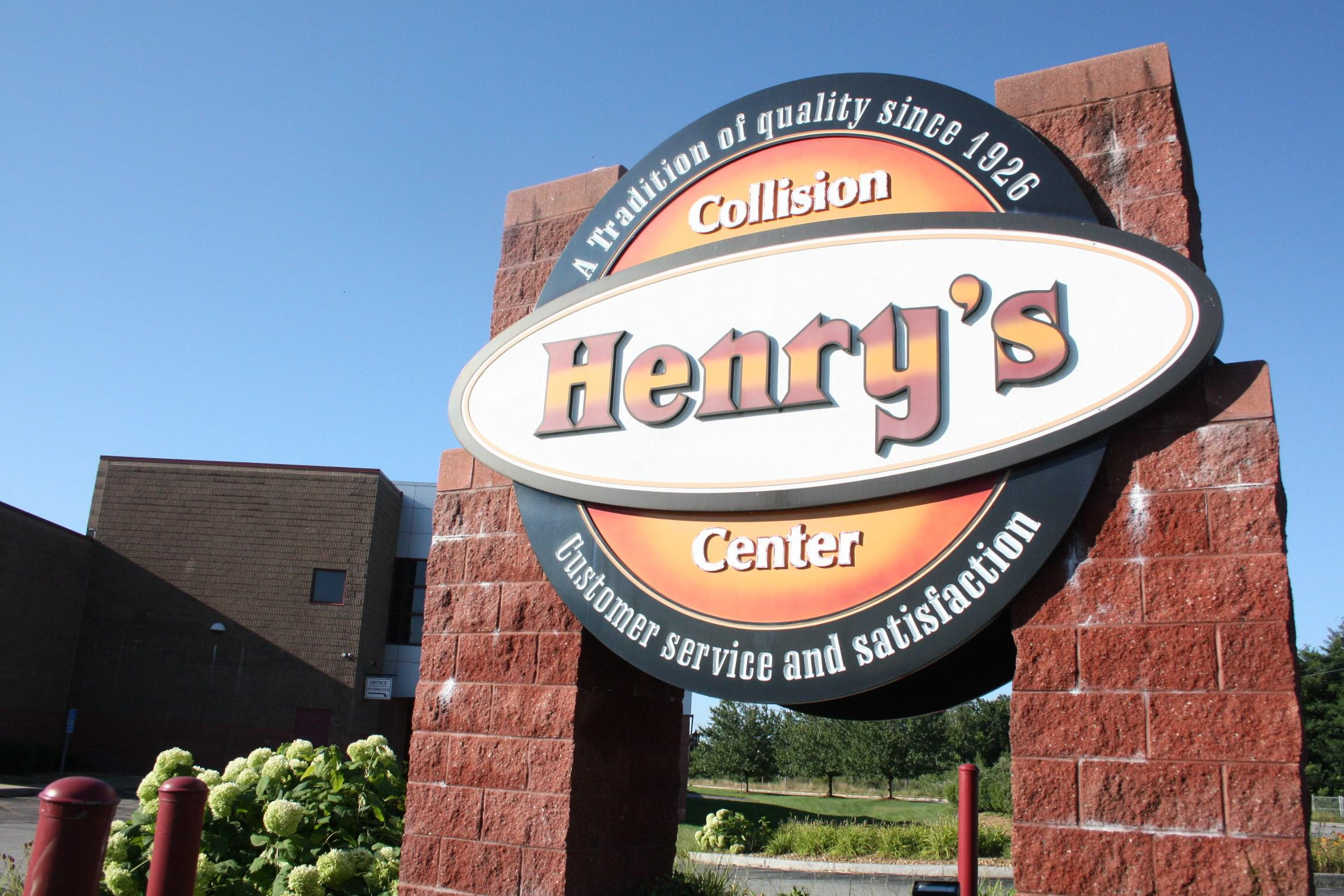 Henry's Collision Center image 0