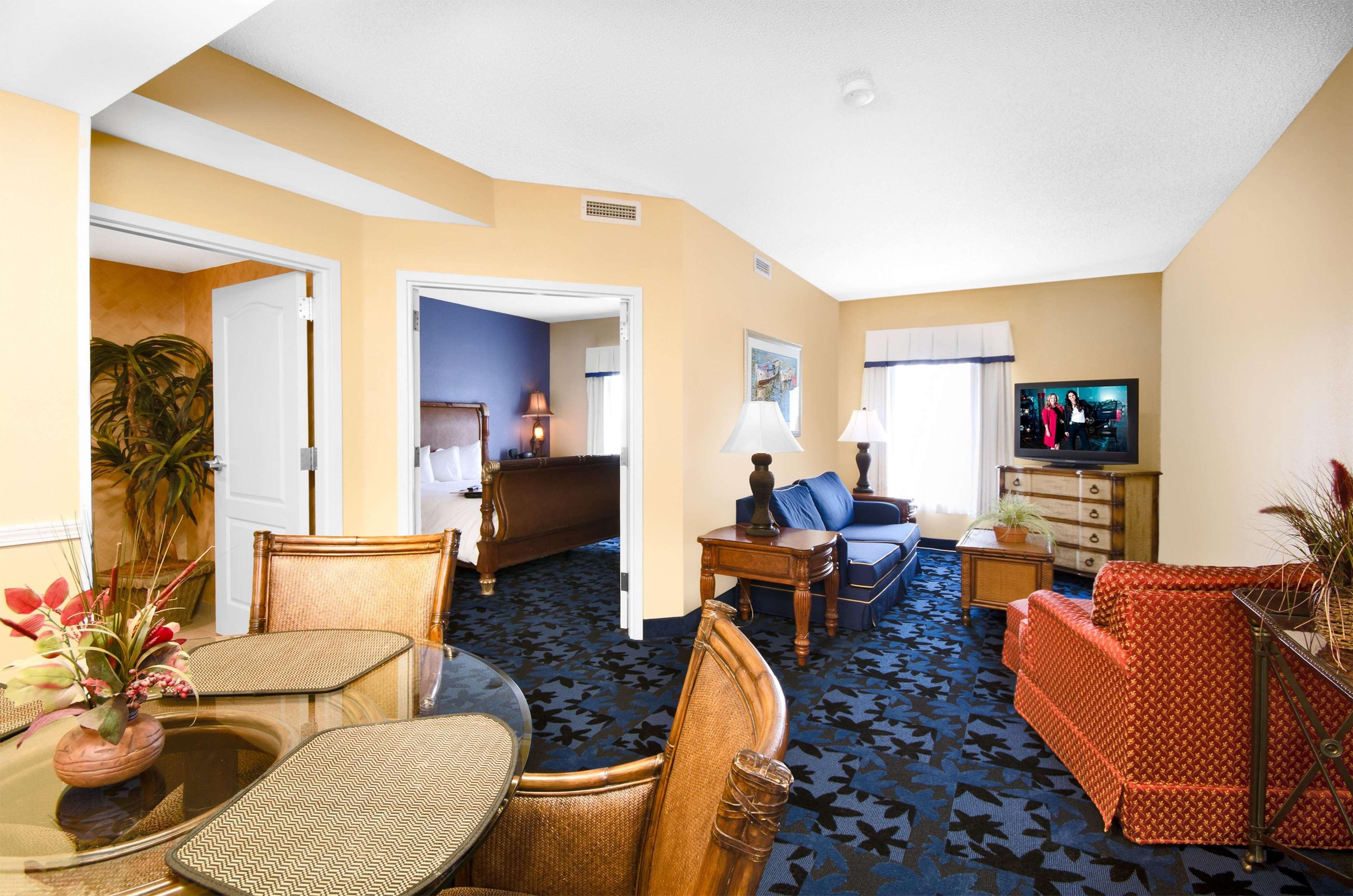 Hampton Inn & Suites Jacksonville South-St. Johns Town Center Area image 29