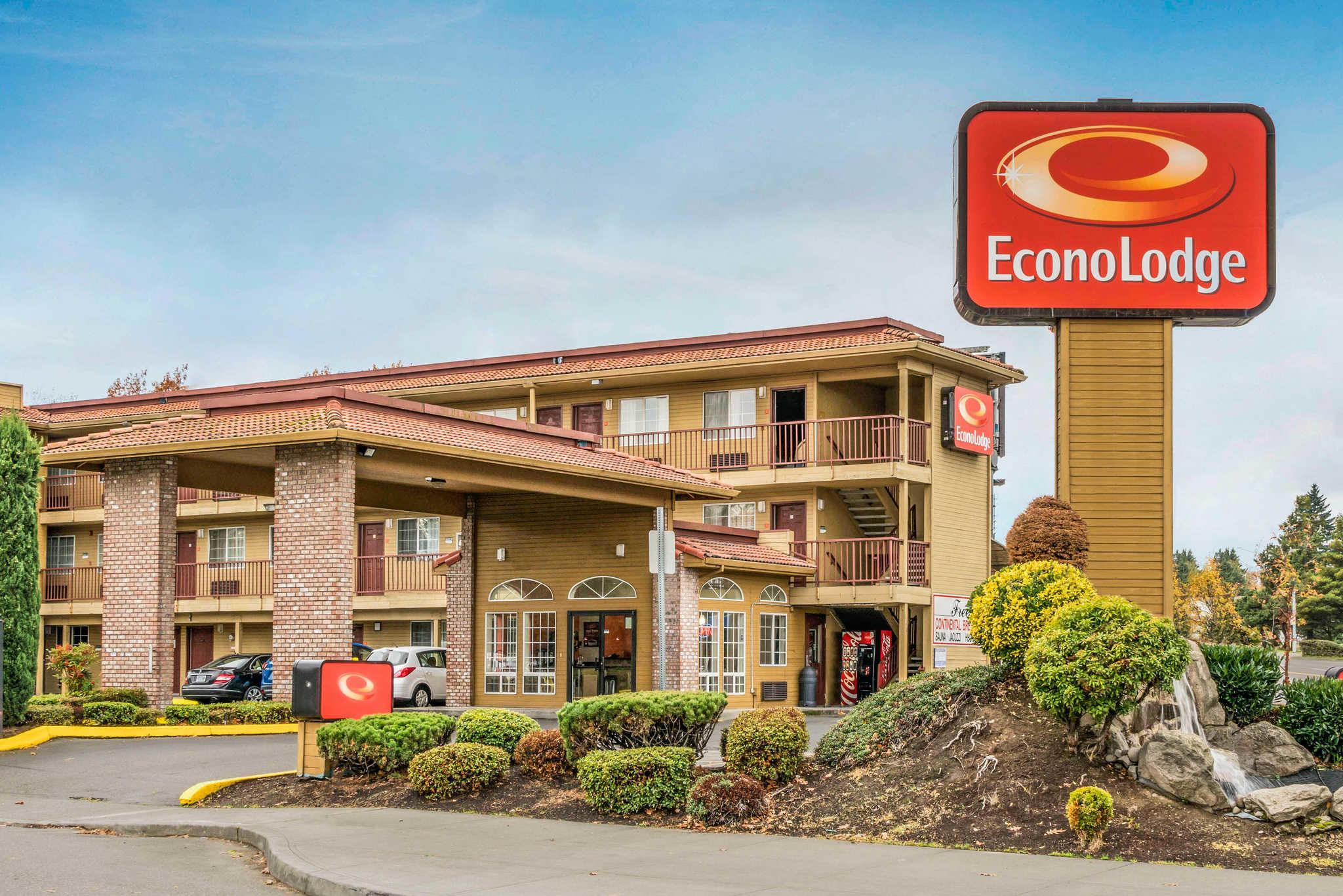 Econo Lodge at Port of Portland image 1