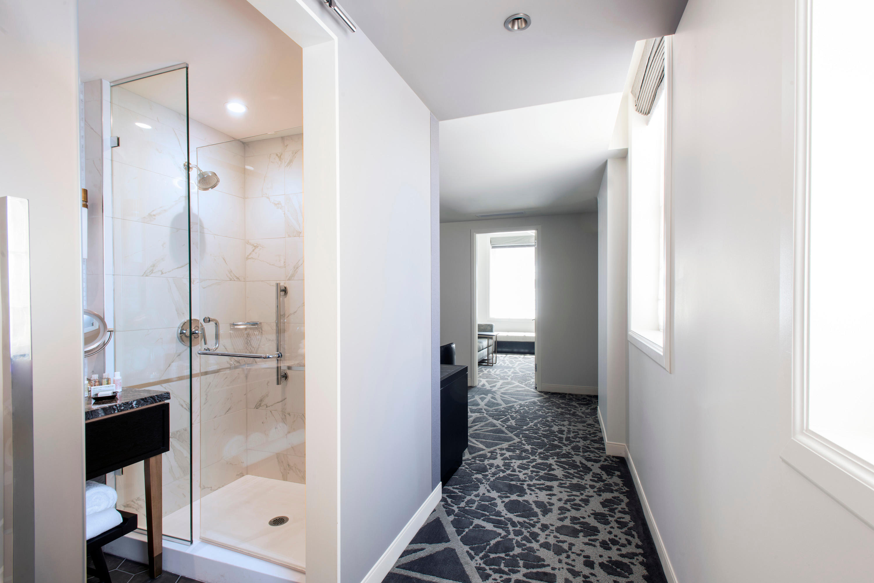 LondonHouse Chicago, Curio Collection by Hilton image 11