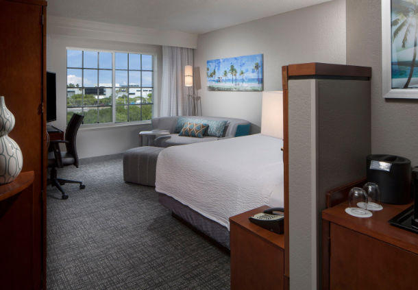 Courtyard by Marriott Fort Lauderdale Airport & Cruise Port image 6