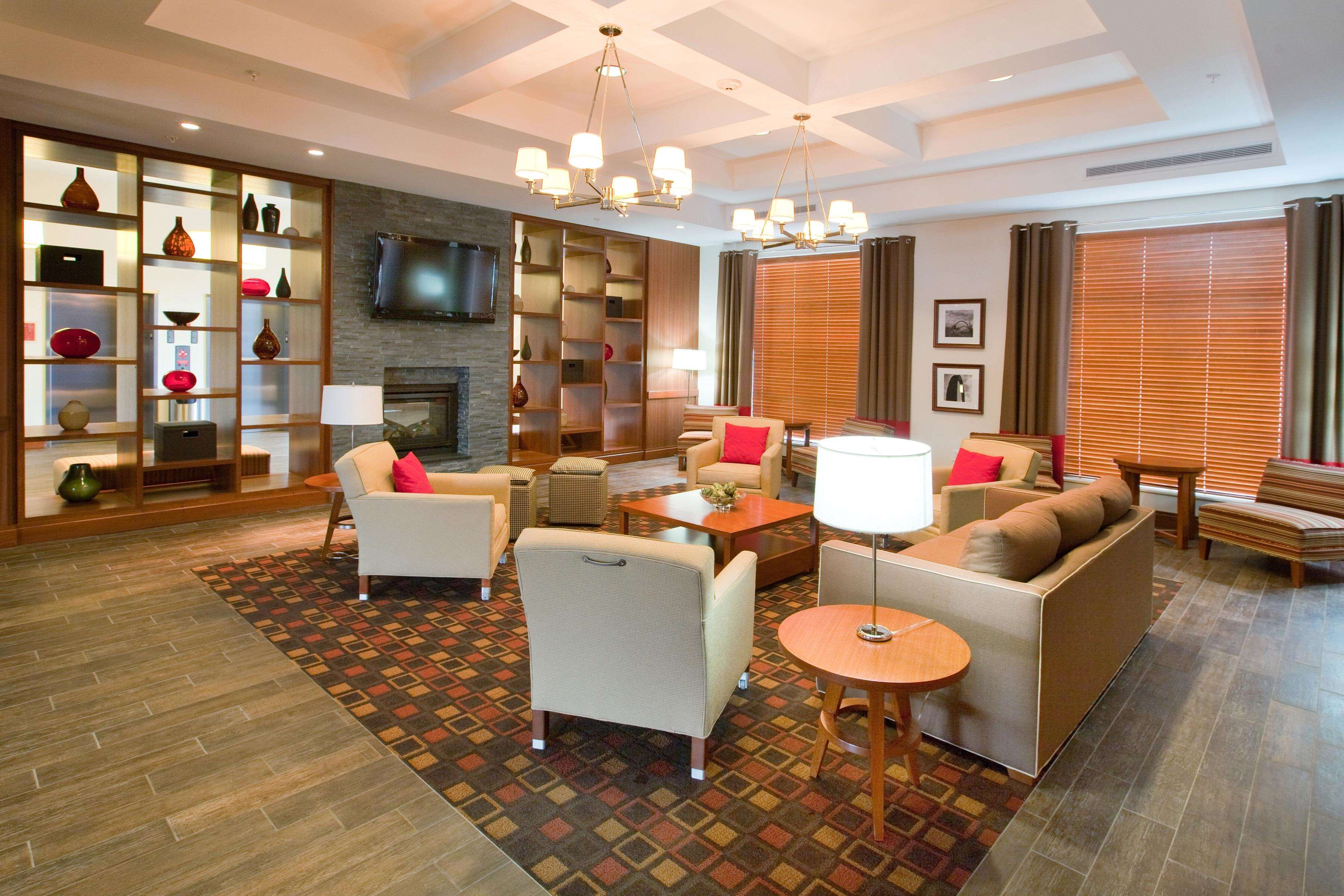 DoubleTree by Hilton Hotel Raleigh - Cary image 4