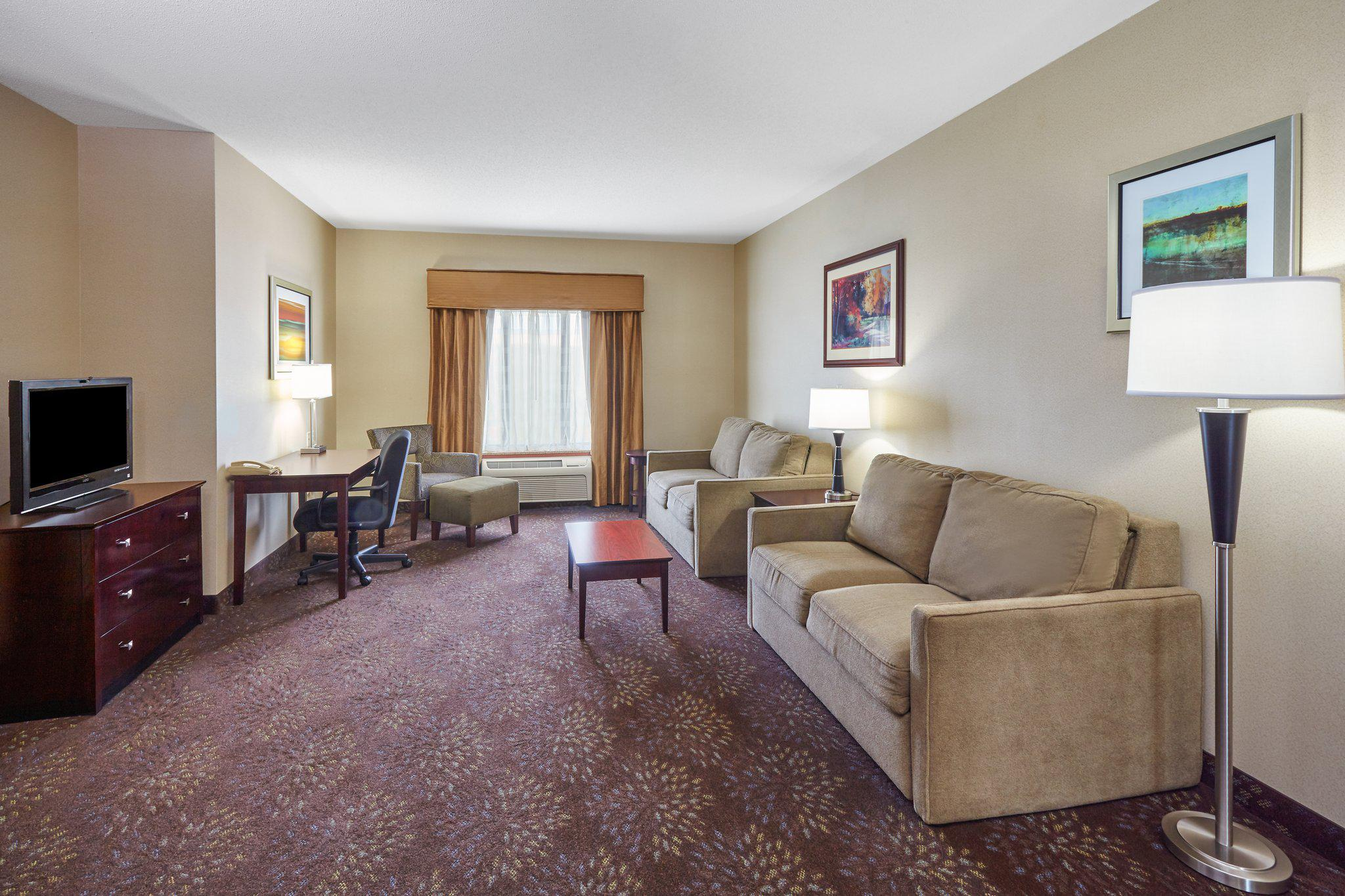 Holiday Inn Express & Suites Grand Rapids - South in Grand Rapids, MI, photo #13
