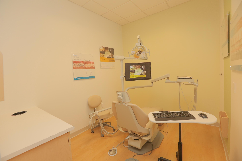 Jantzen Beach Modern Dentistry image 13