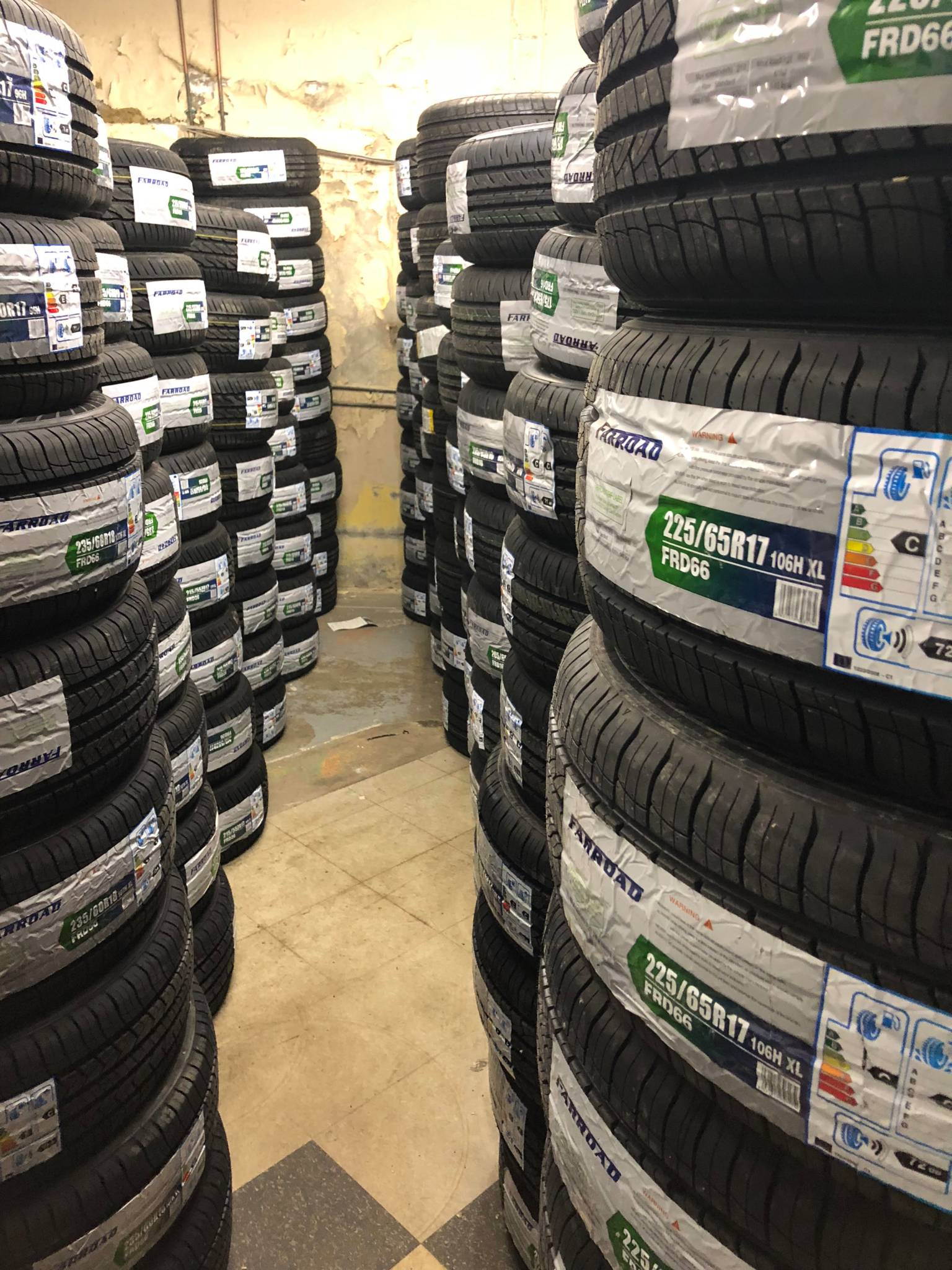 Bank Street Tires & Auto Glass in Ottawa: The skilled techs at Bank Street Tires and Auto Glass deftly refresh vital car parts. When road debris pocks or cracks windshields, Bank Street's staff can refit new glass with factory-finish results. To keep cars safe and planted, the shop maintains