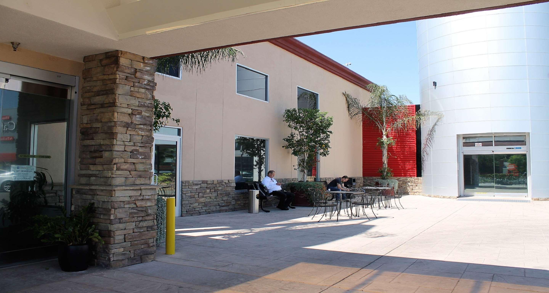 Best Western Canoga Park Motor Inn image 0