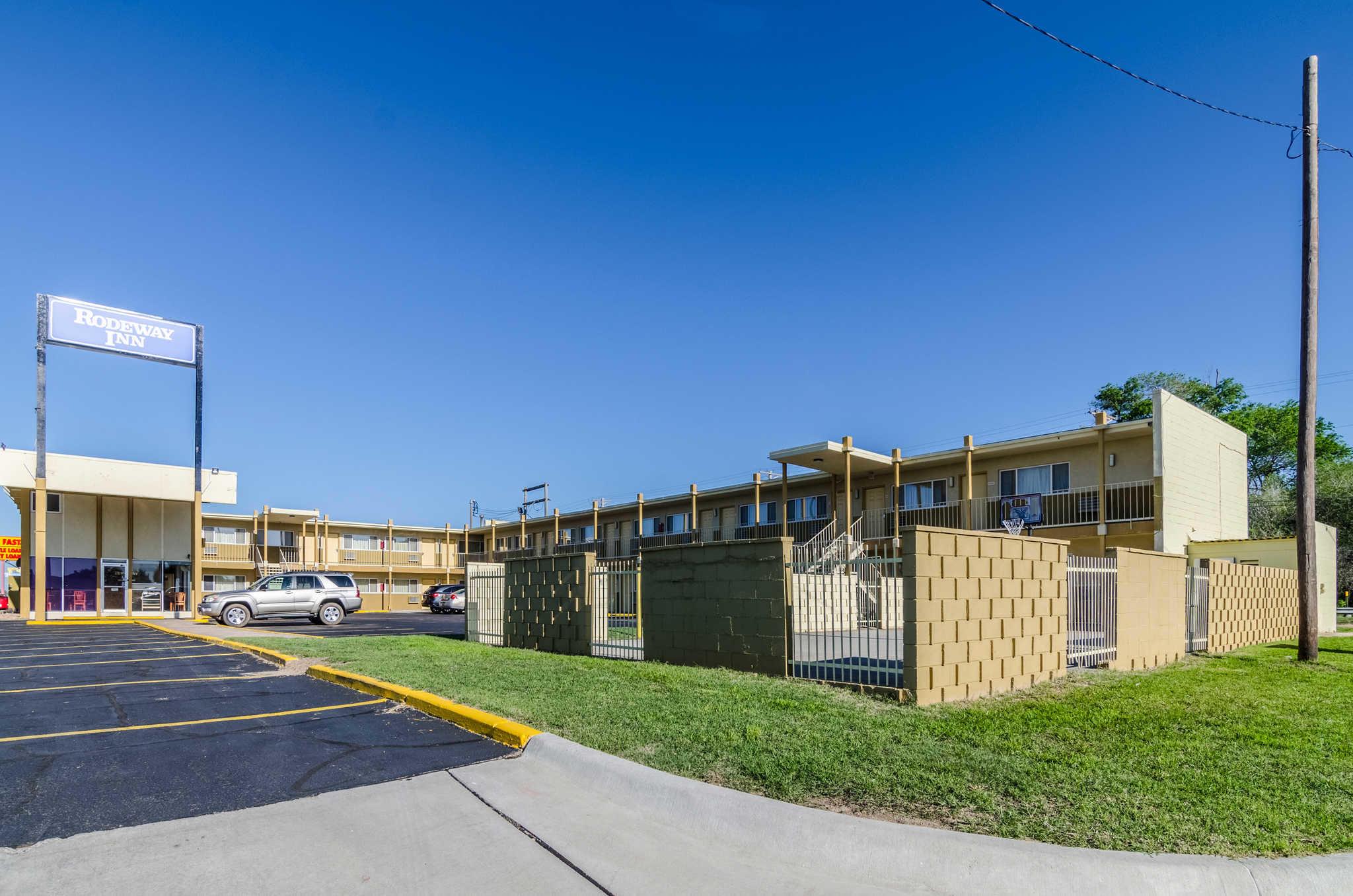 Rodeway Inn In Dodge City Ks 620 227 8
