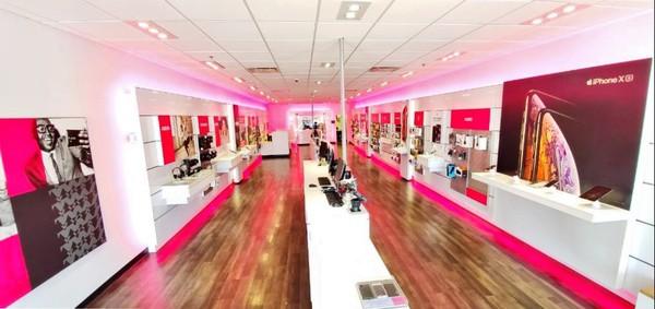 T Mobile Store At 3959 State Street Santa Barbara Ca T Mobile