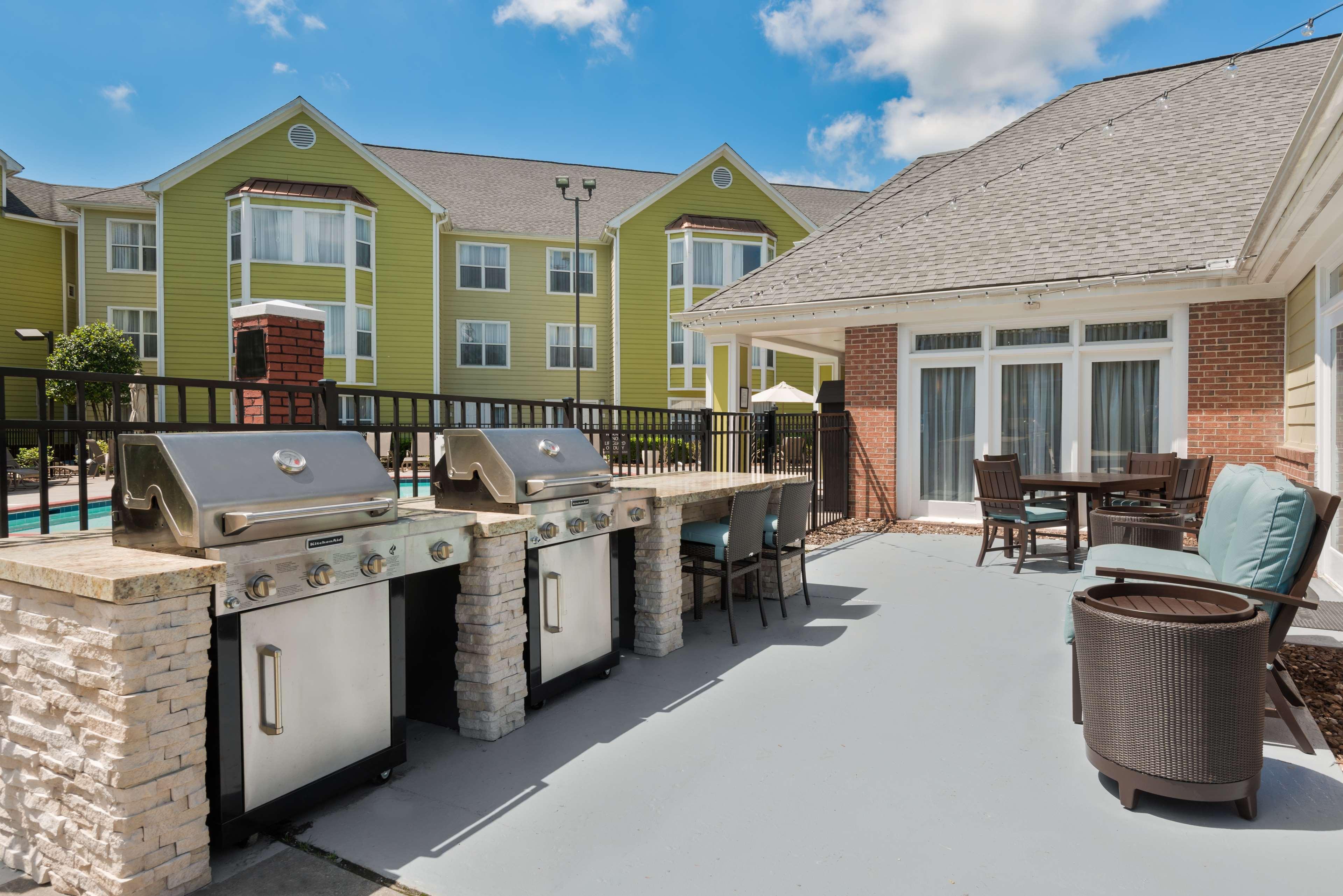 Homewood Suites by Hilton Charlotte-North/Univ Research Park image 1