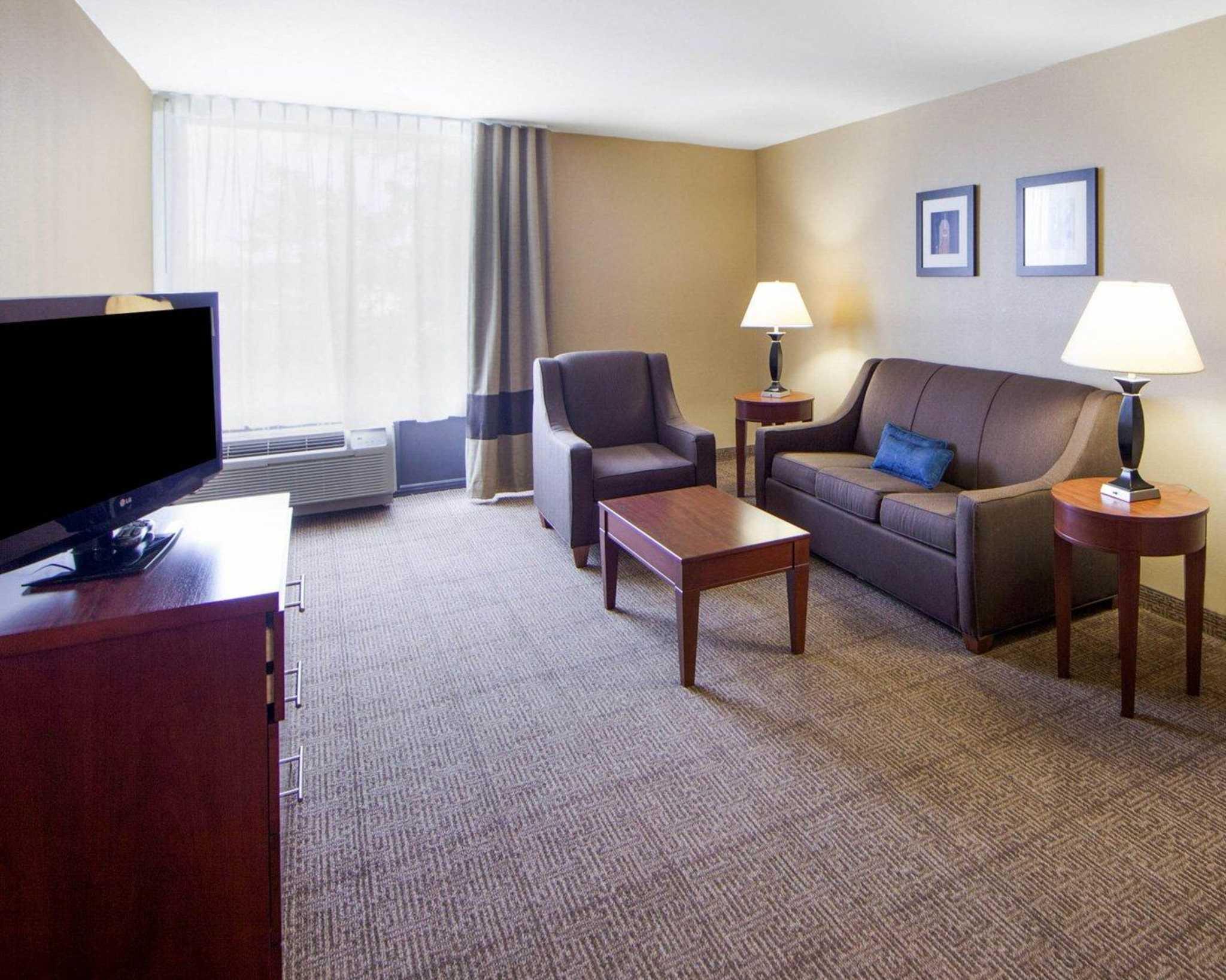Comfort Inn & Suites Plano East image 53