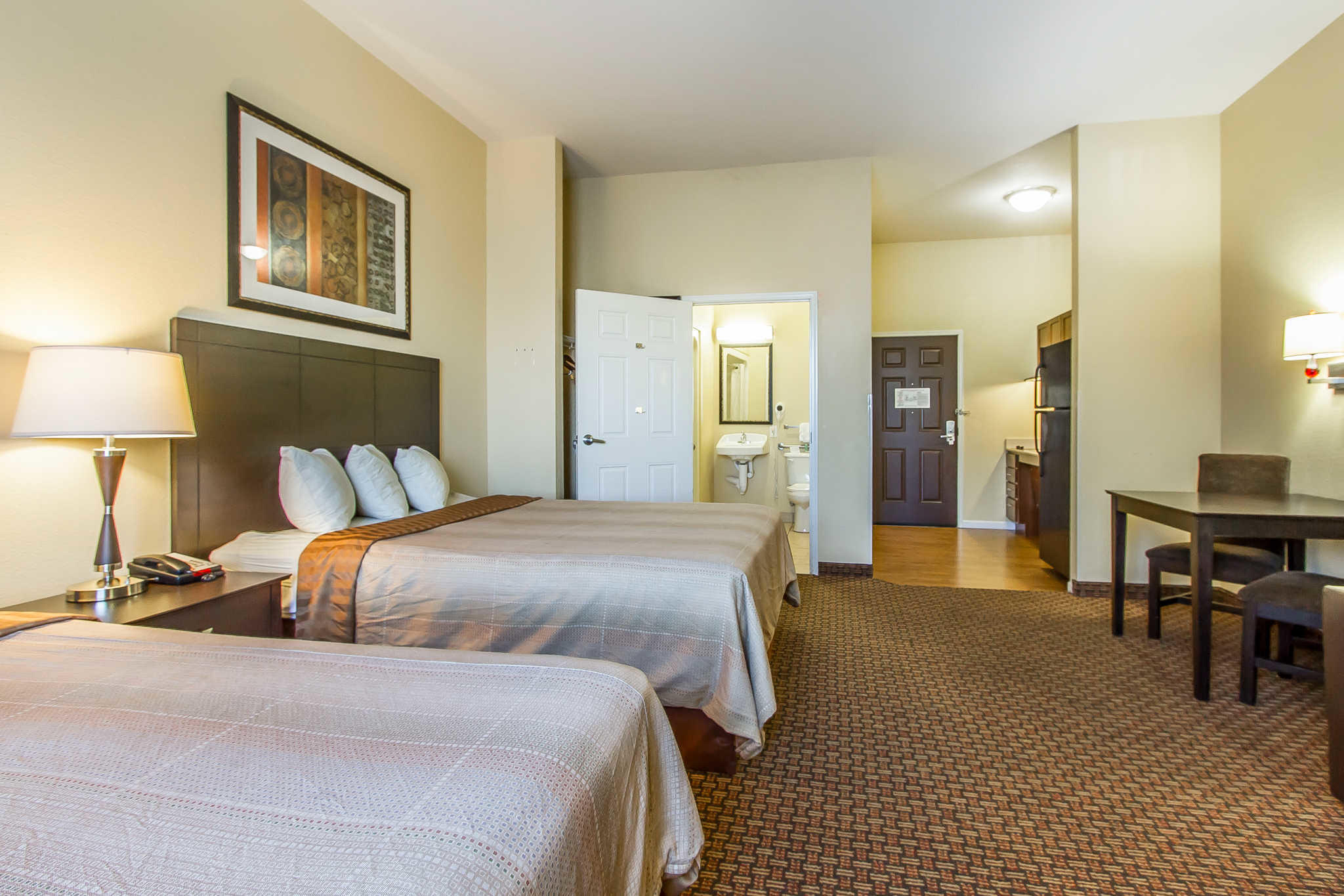 MainStay Suites Fort Campbell image 10