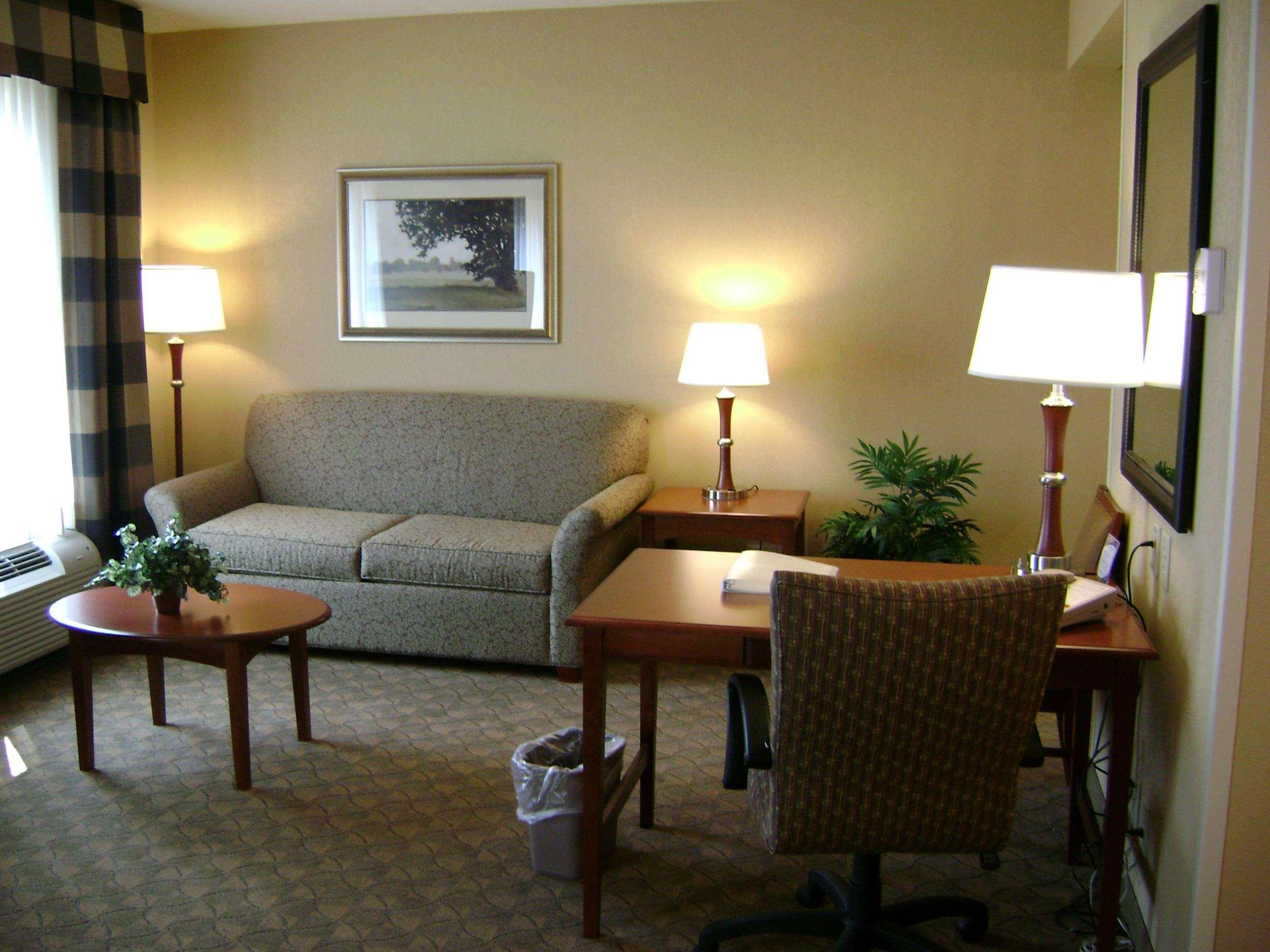 Hampton Inn & Suites Paducah image 32