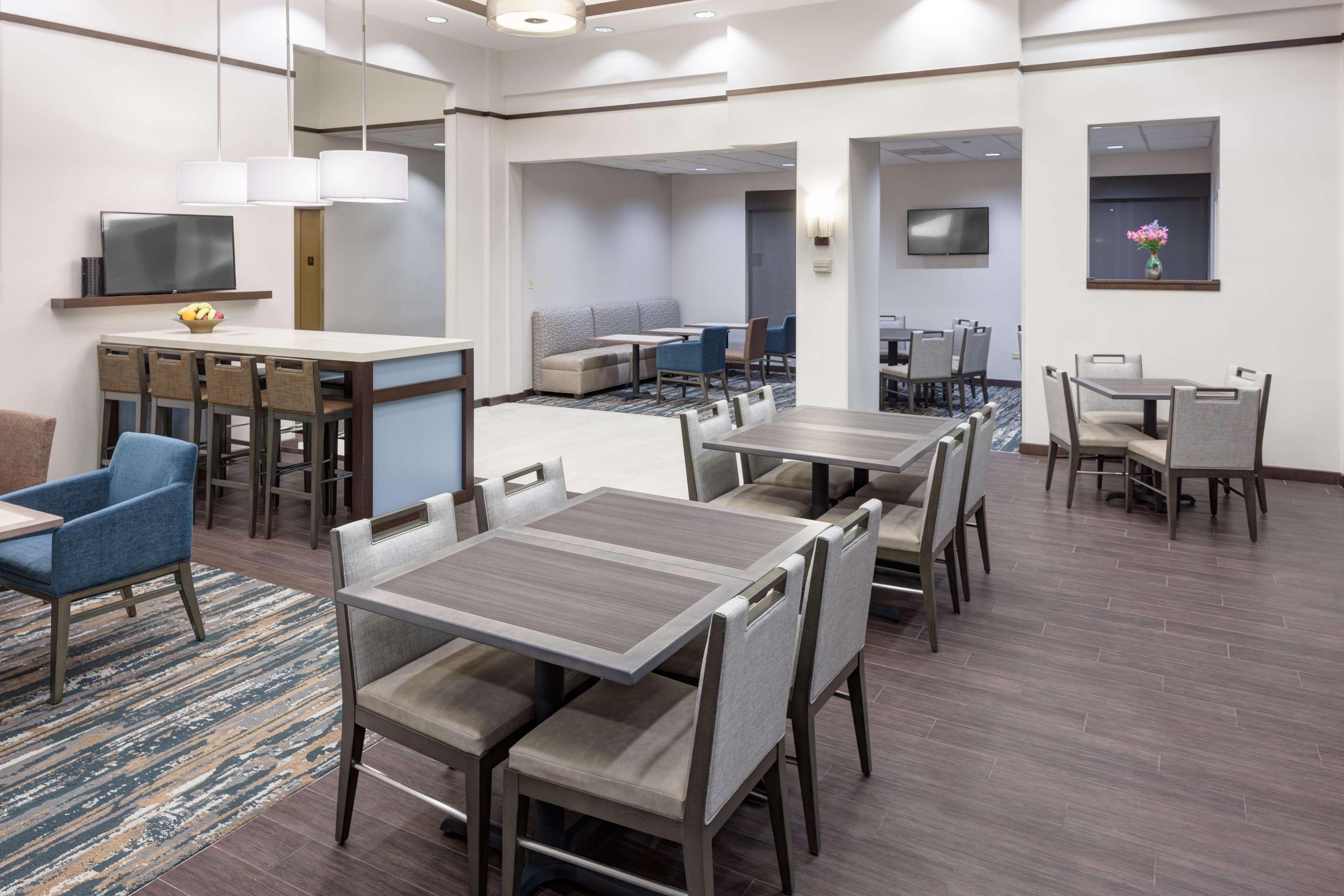 Hampton Inn & Suites Chicago-North Shore/Skokie image 25