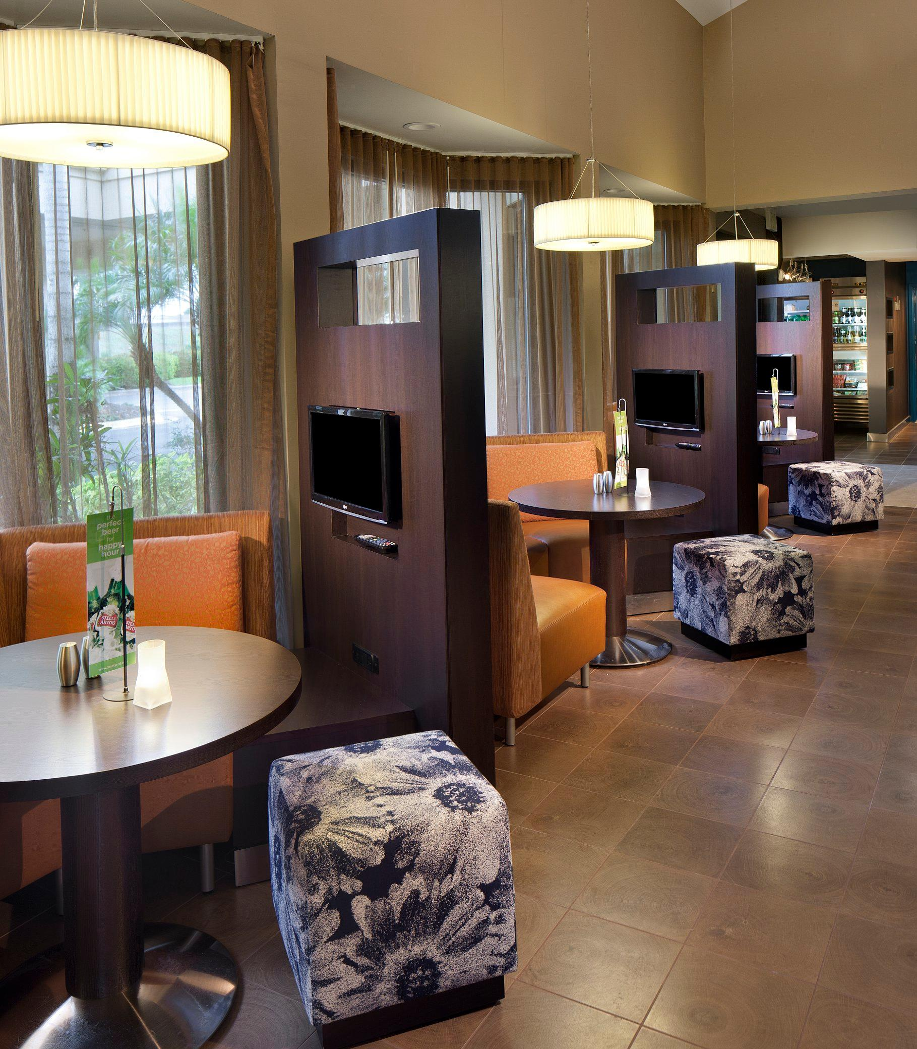 Courtyard by Marriott Miami Lakes image 28