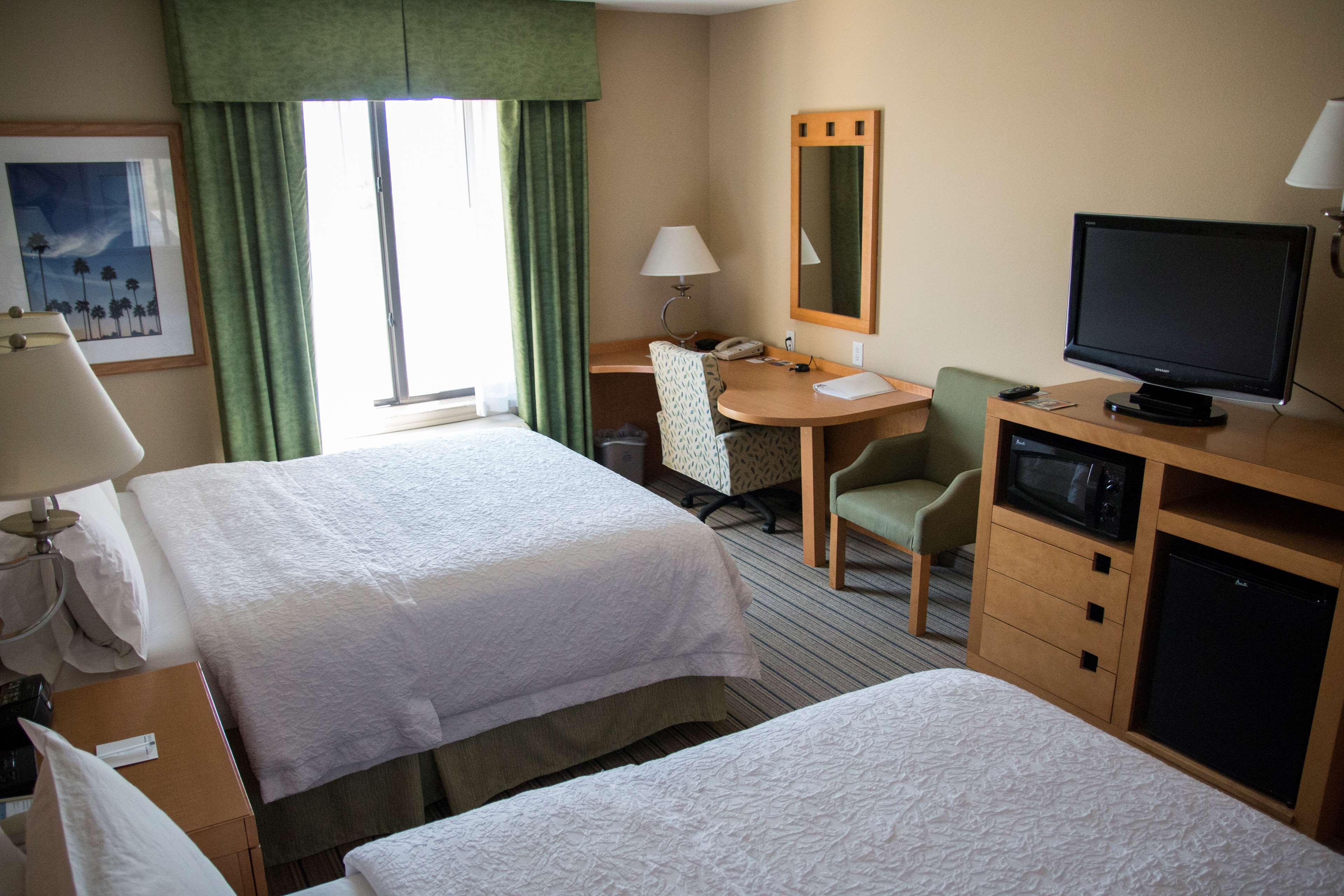 Hampton Inn & Suites Madera image 24