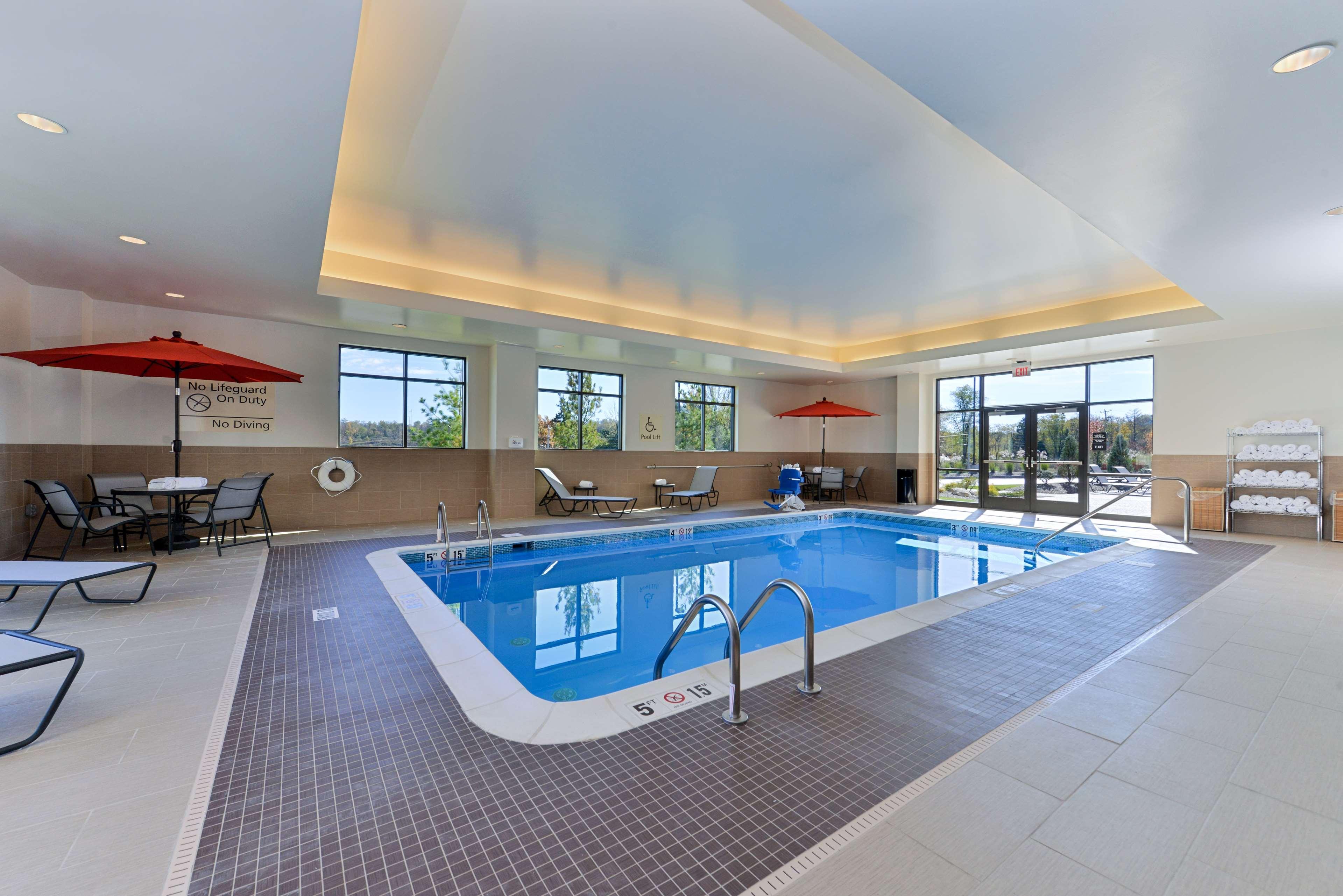 Hampton Inn & Suites California University-Pittsburgh image 5
