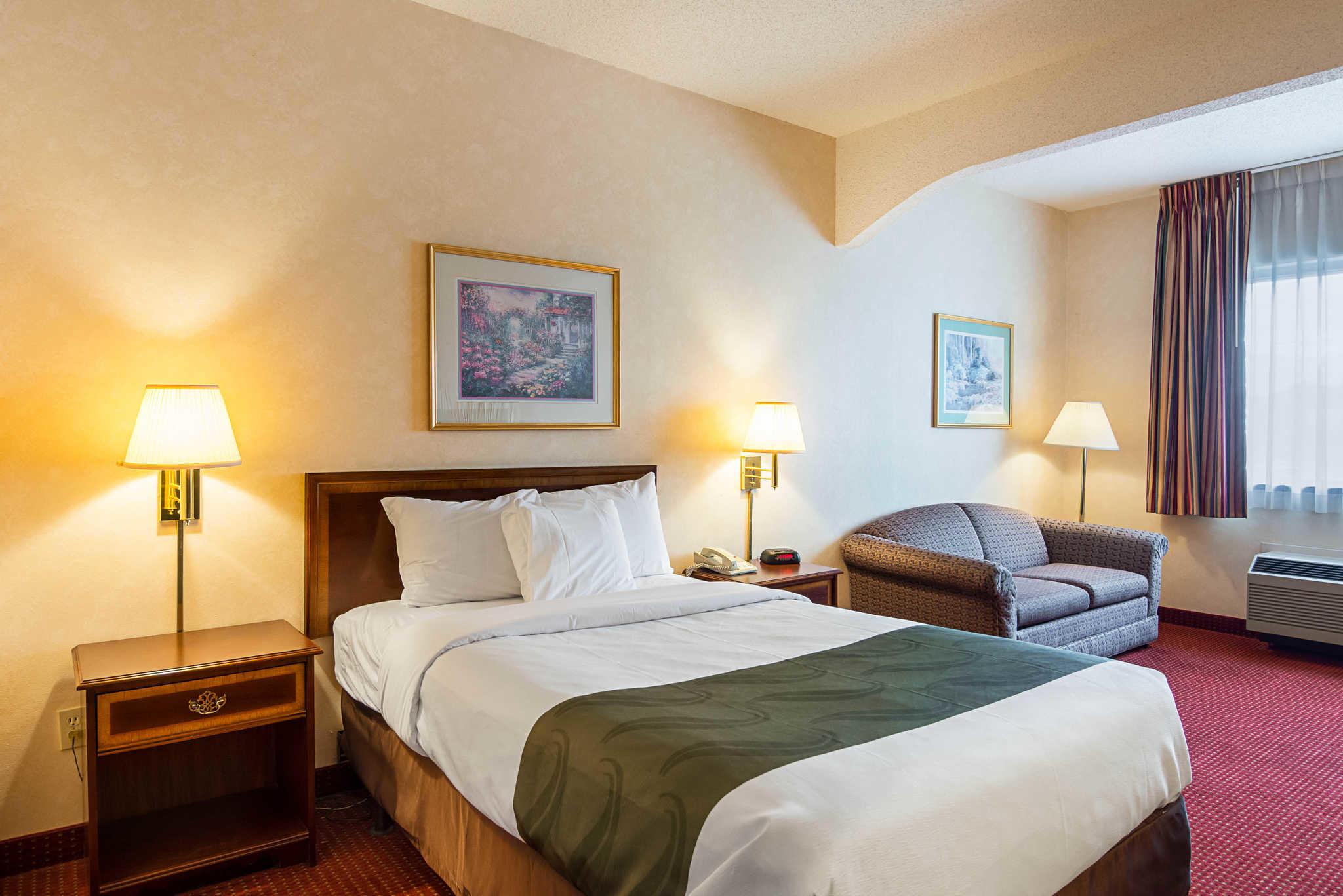 Quality Inn & Suites Kearneysville - Martinsburg image 11