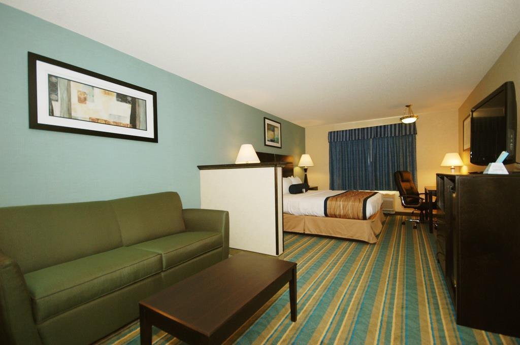 Best Western Plus Berkshire Hills Inn & Suites image 27