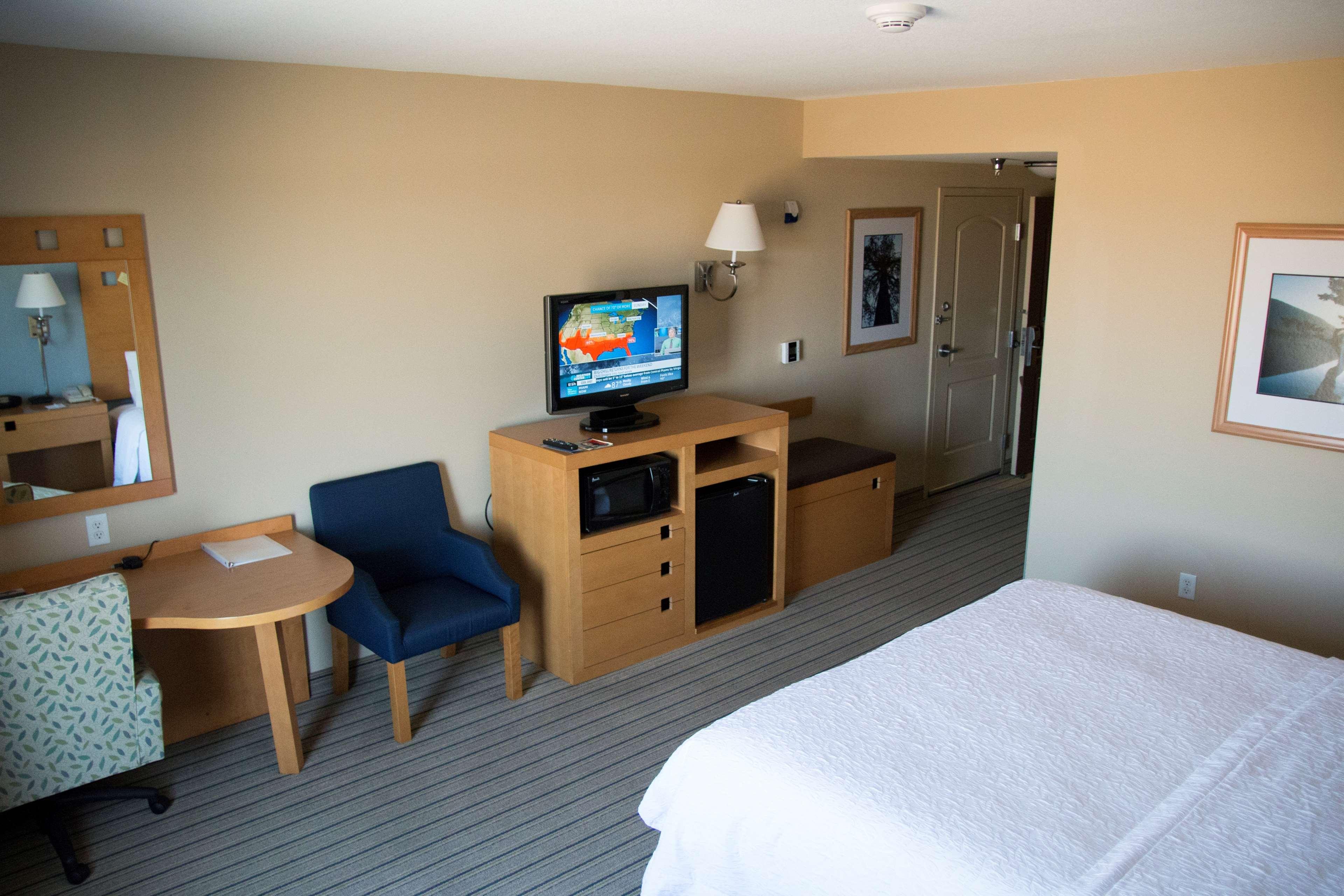 Hampton Inn & Suites Madera image 41